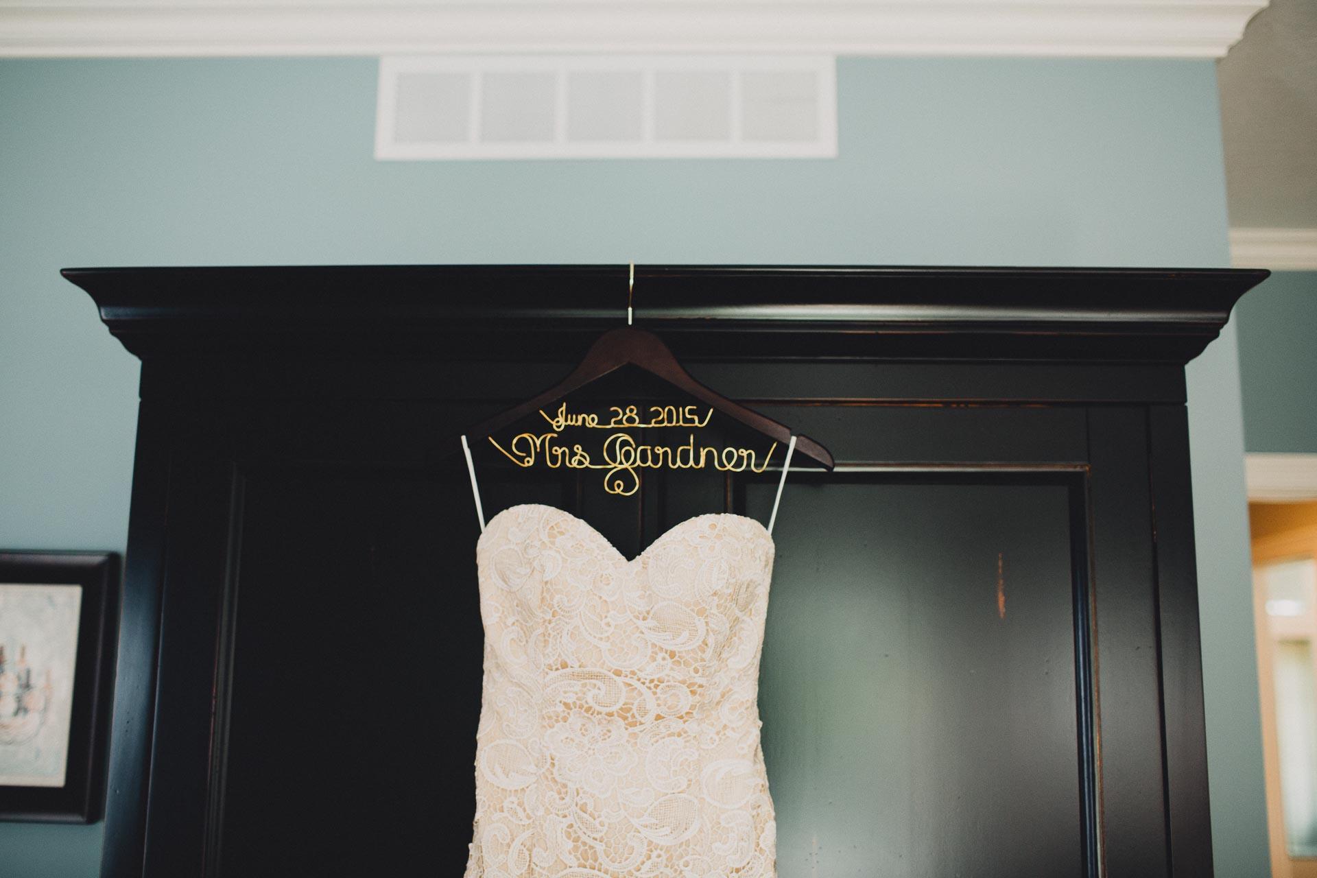 Julia-Michael-Cincinnati-Music-Hall-Wedding-017@2x.jpg