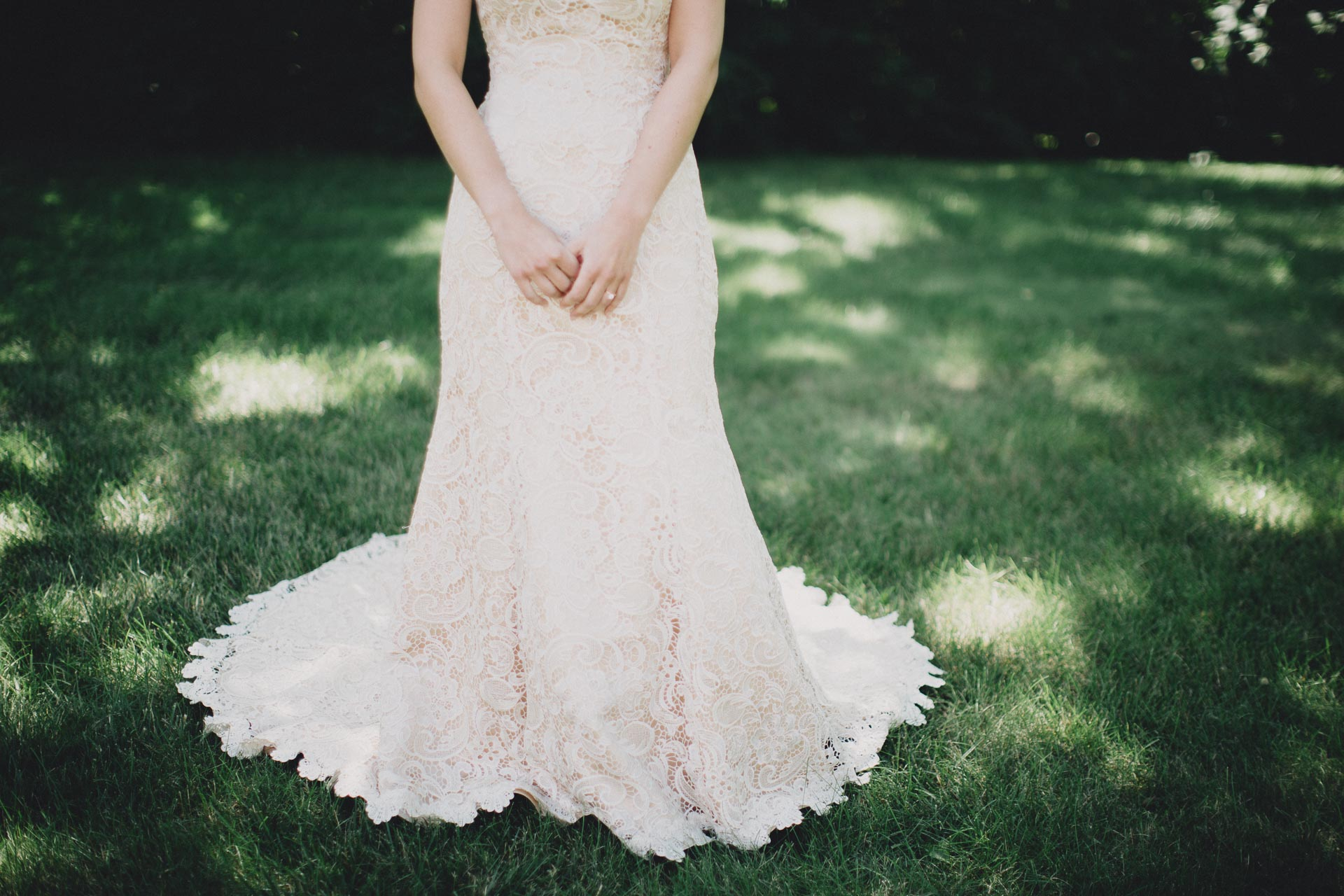 Julia-Michael-Cincinnati-Music-Hall-Wedding-026@2x.jpg