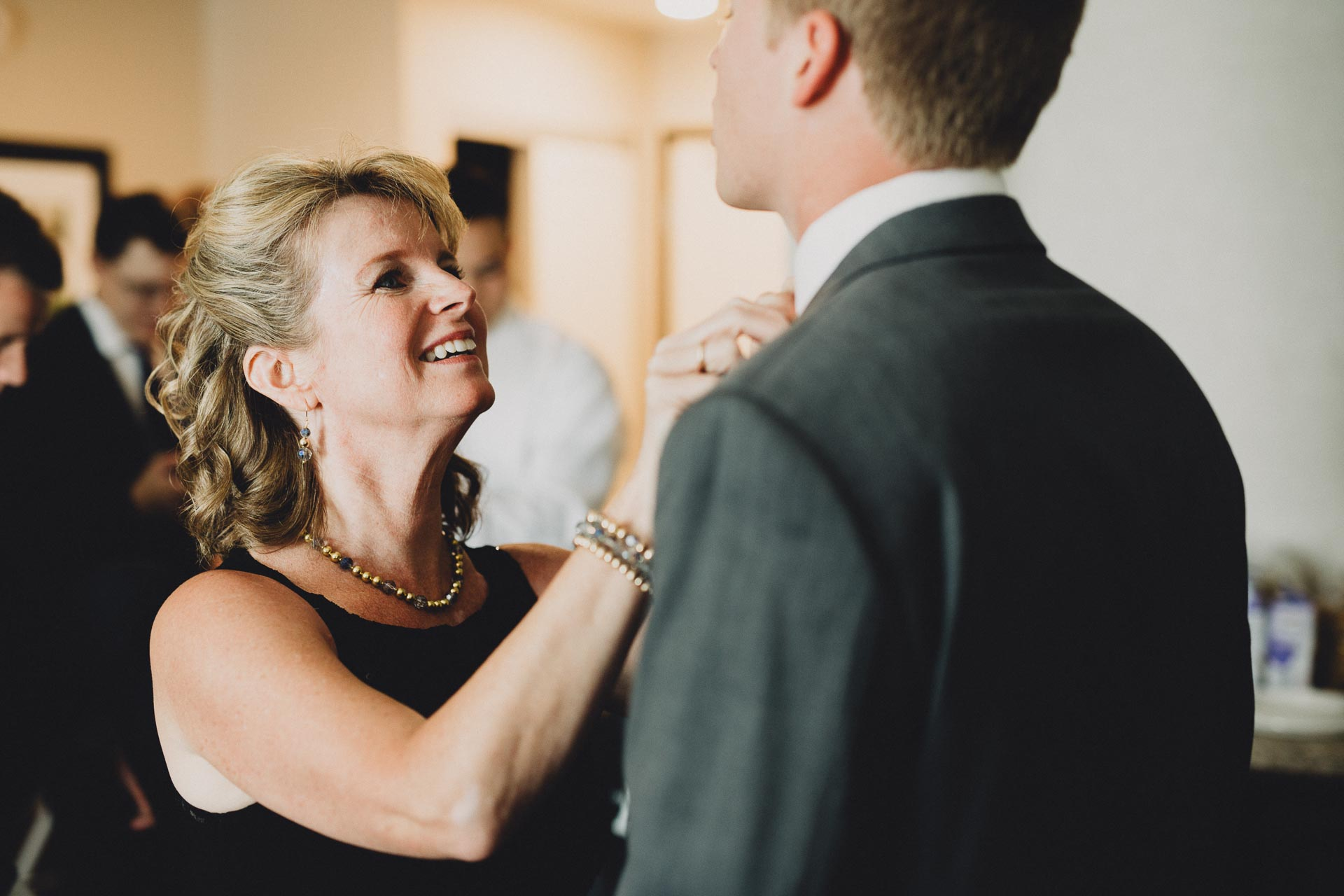 Julia-Michael-Cincinnati-Music-Hall-Wedding-037@2x.jpg