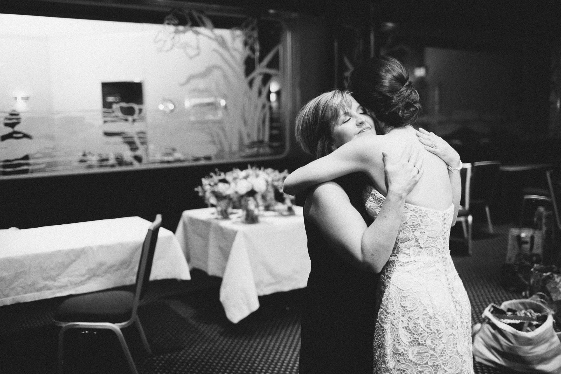 Julia-Michael-Cincinnati-Music-Hall-Wedding-040@2x.jpg