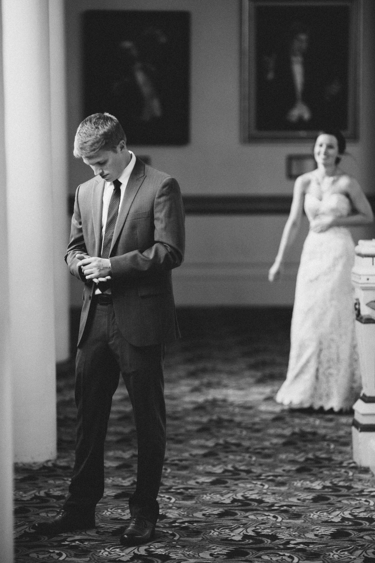 Julia-Michael-Cincinnati-Music-Hall-Wedding-042@2x.jpg