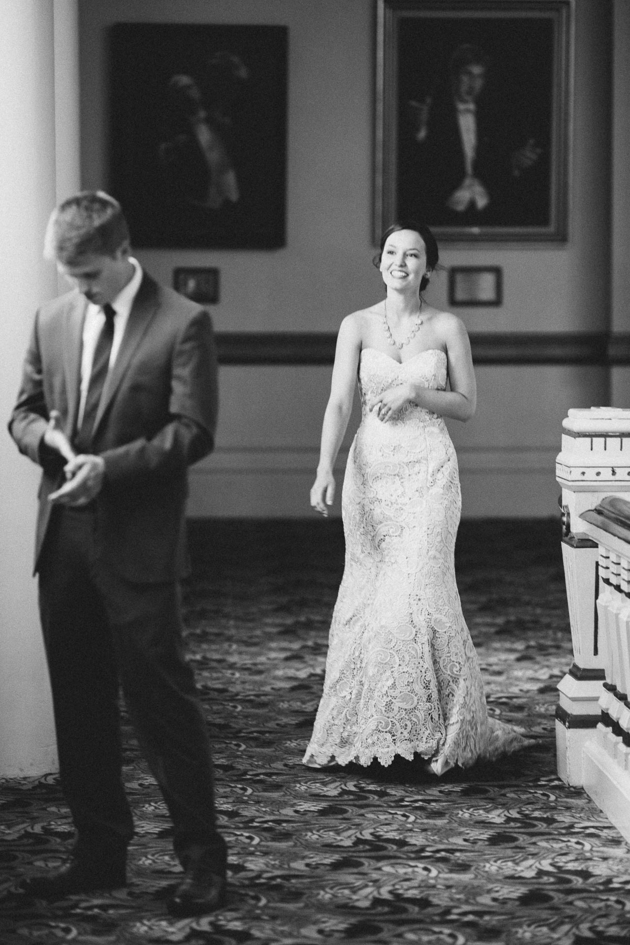 Julia-Michael-Cincinnati-Music-Hall-Wedding-044@2x.jpg