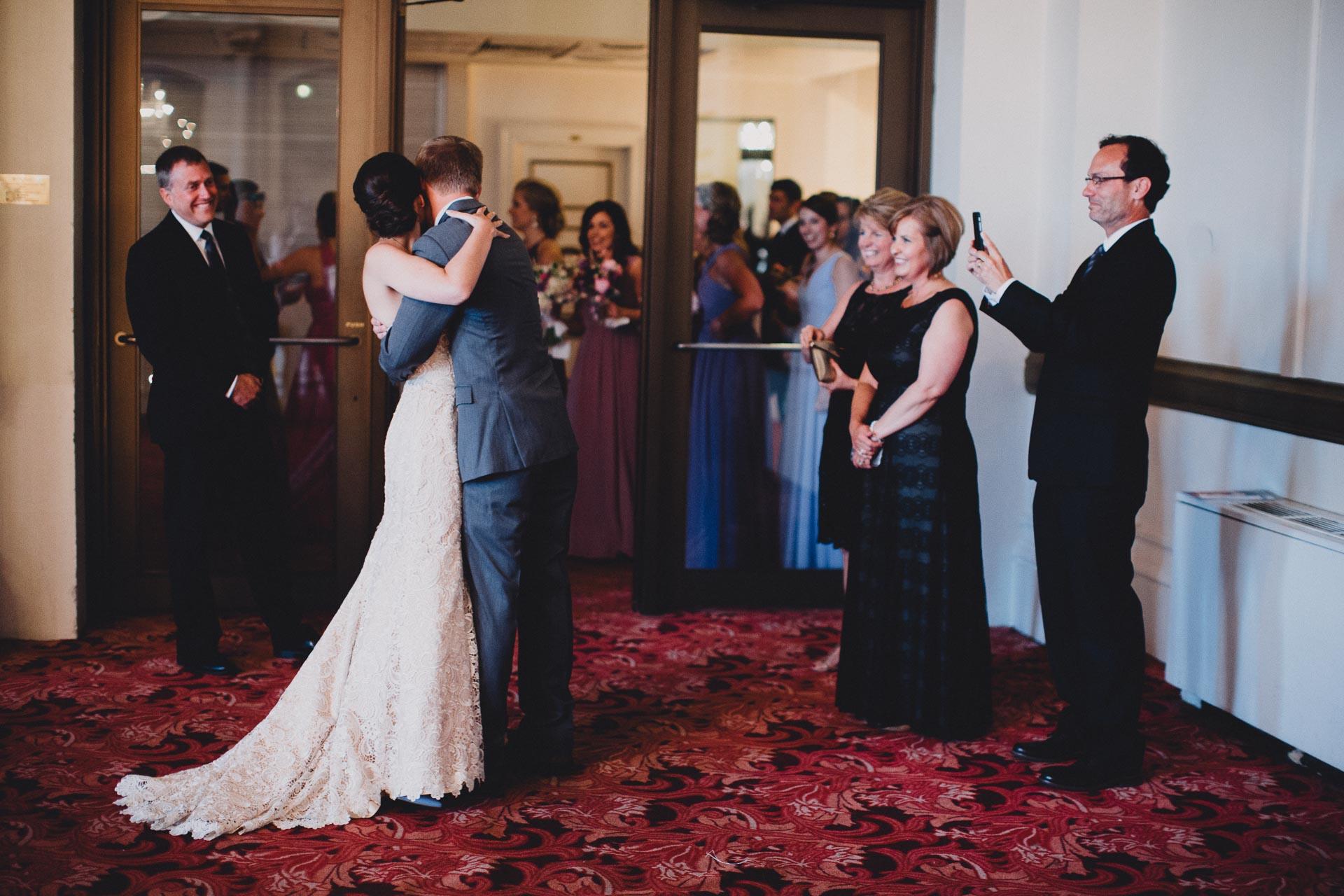 Julia-Michael-Cincinnati-Music-Hall-Wedding-047@2x.jpg
