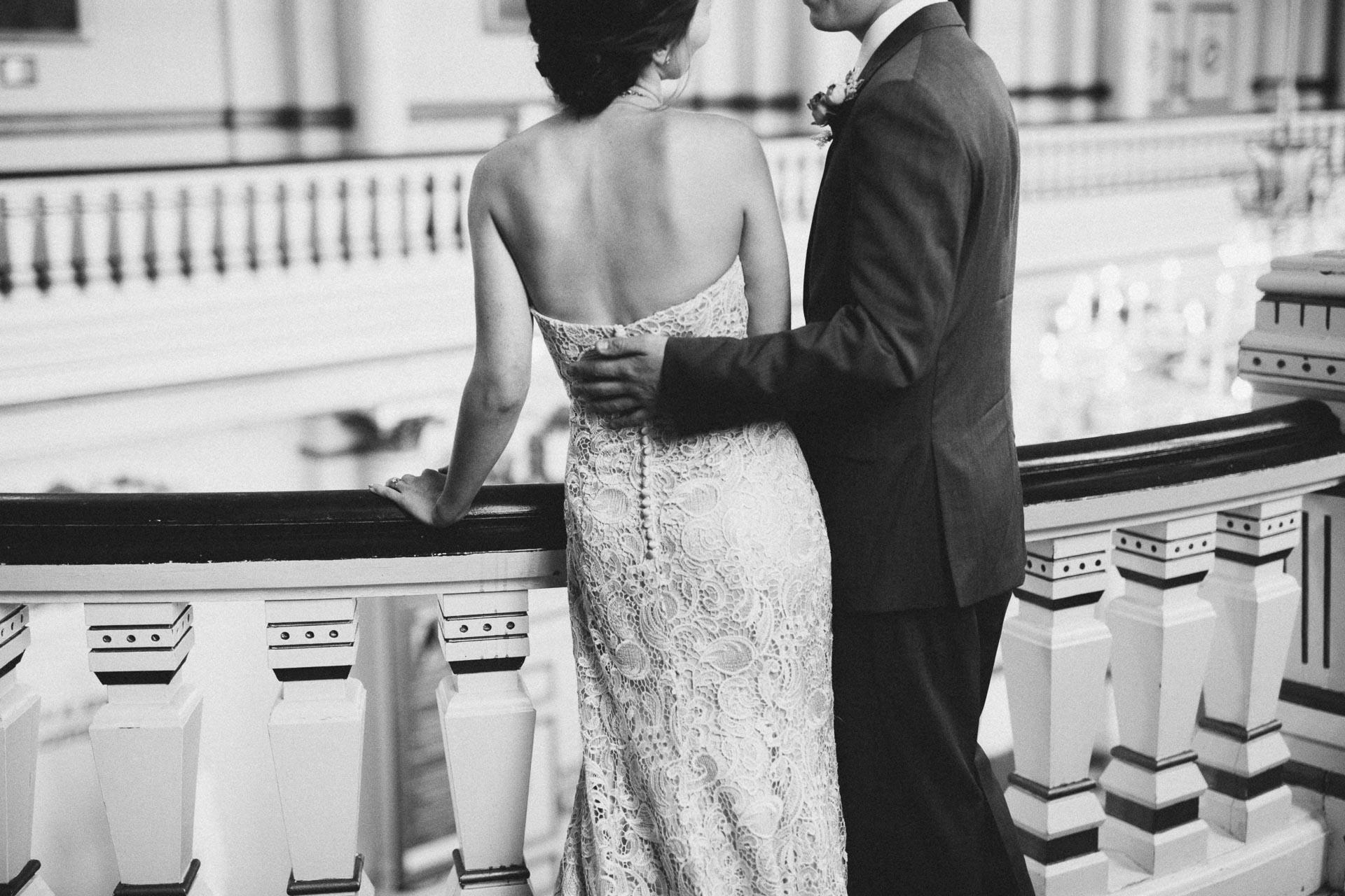 Julia-Michael-Cincinnati-Music-Hall-Wedding-049@2x.jpg