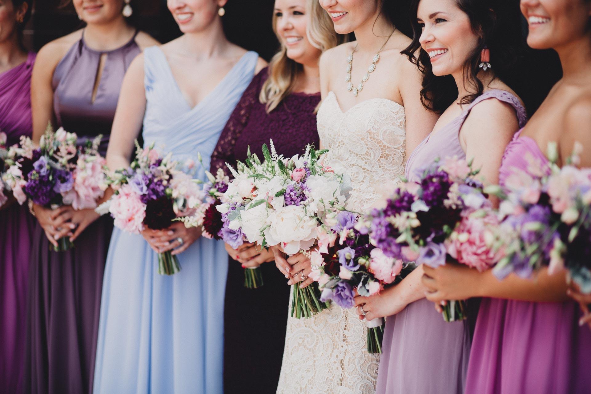 Julia-Michael-Cincinnati-Music-Hall-Wedding-050@2x.jpg