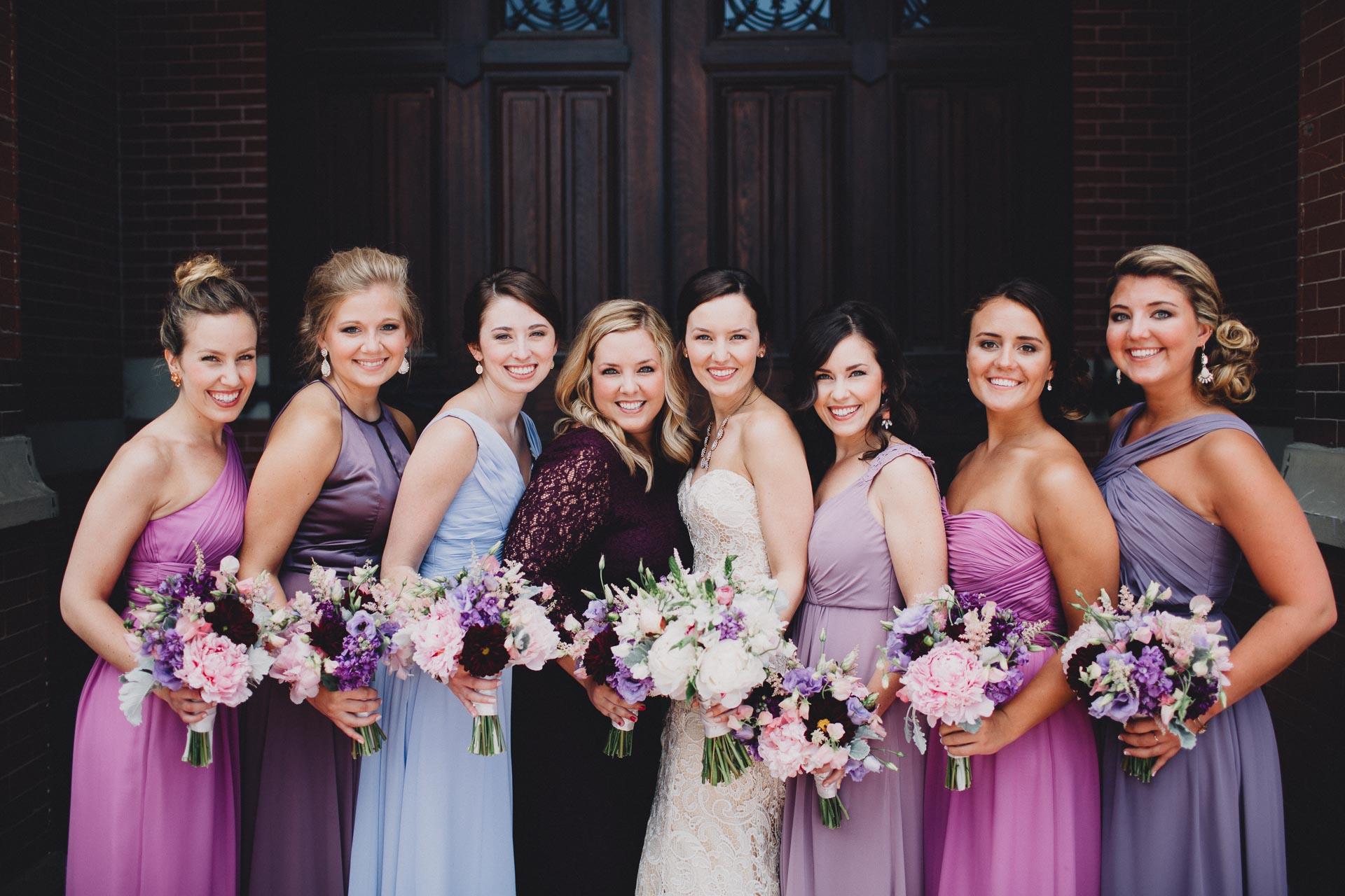 Julia-Michael-Cincinnati-Music-Hall-Wedding-051@2x.jpg
