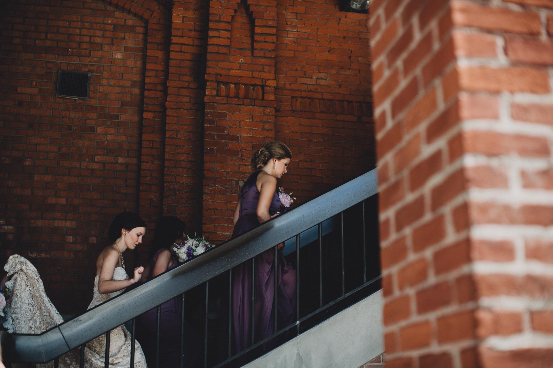 Julia-Michael-Cincinnati-Music-Hall-Wedding-056@2x.jpg