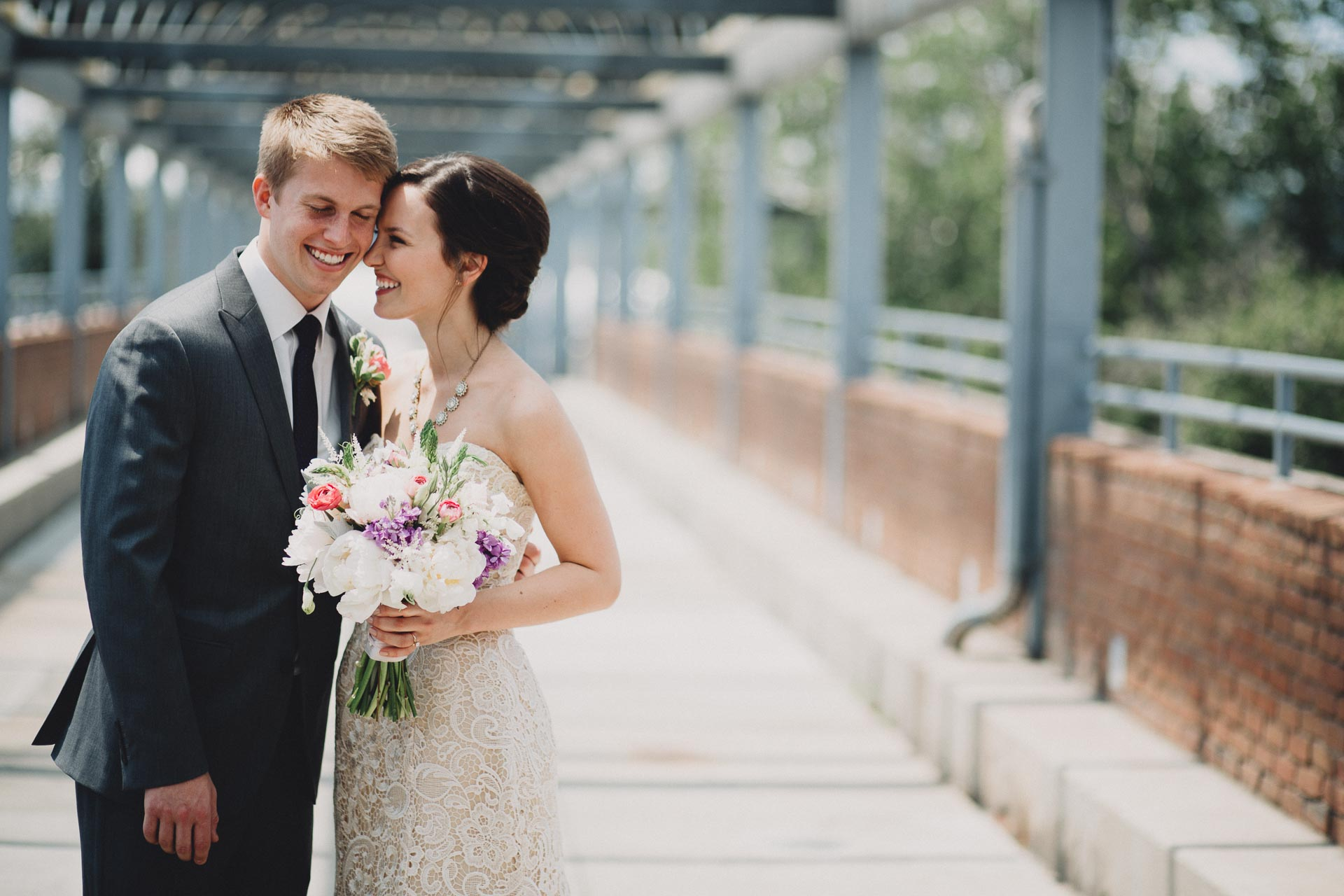 Julia-Michael-Cincinnati-Music-Hall-Wedding-057@2x.jpg