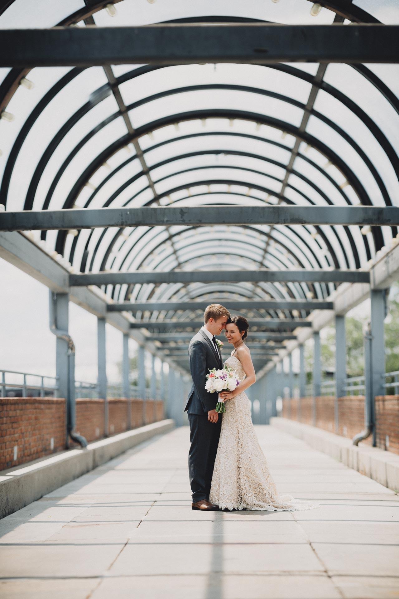 Julia-Michael-Cincinnati-Music-Hall-Wedding-059@2x.jpg