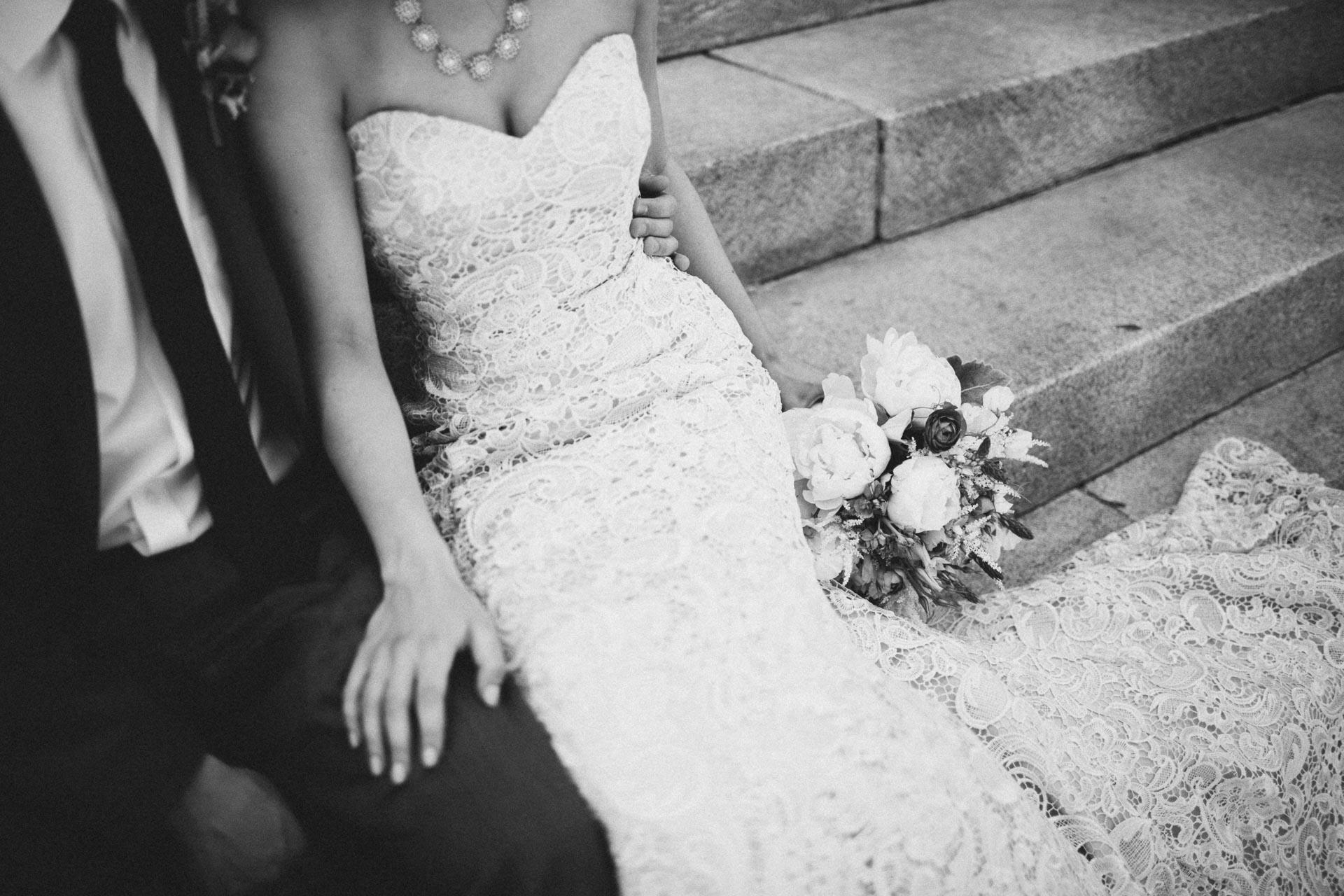 Julia-Michael-Cincinnati-Music-Hall-Wedding-065@2x.jpg