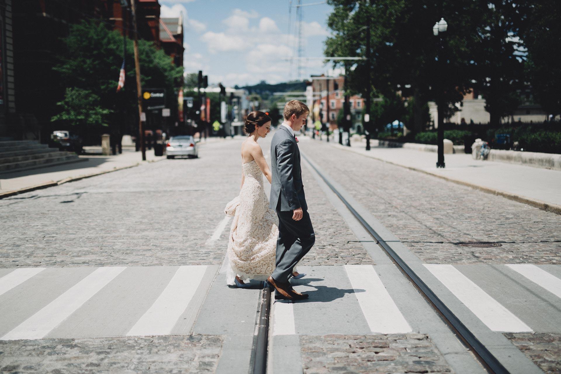 Julia-Michael-Cincinnati-Music-Hall-Wedding-070@2x.jpg
