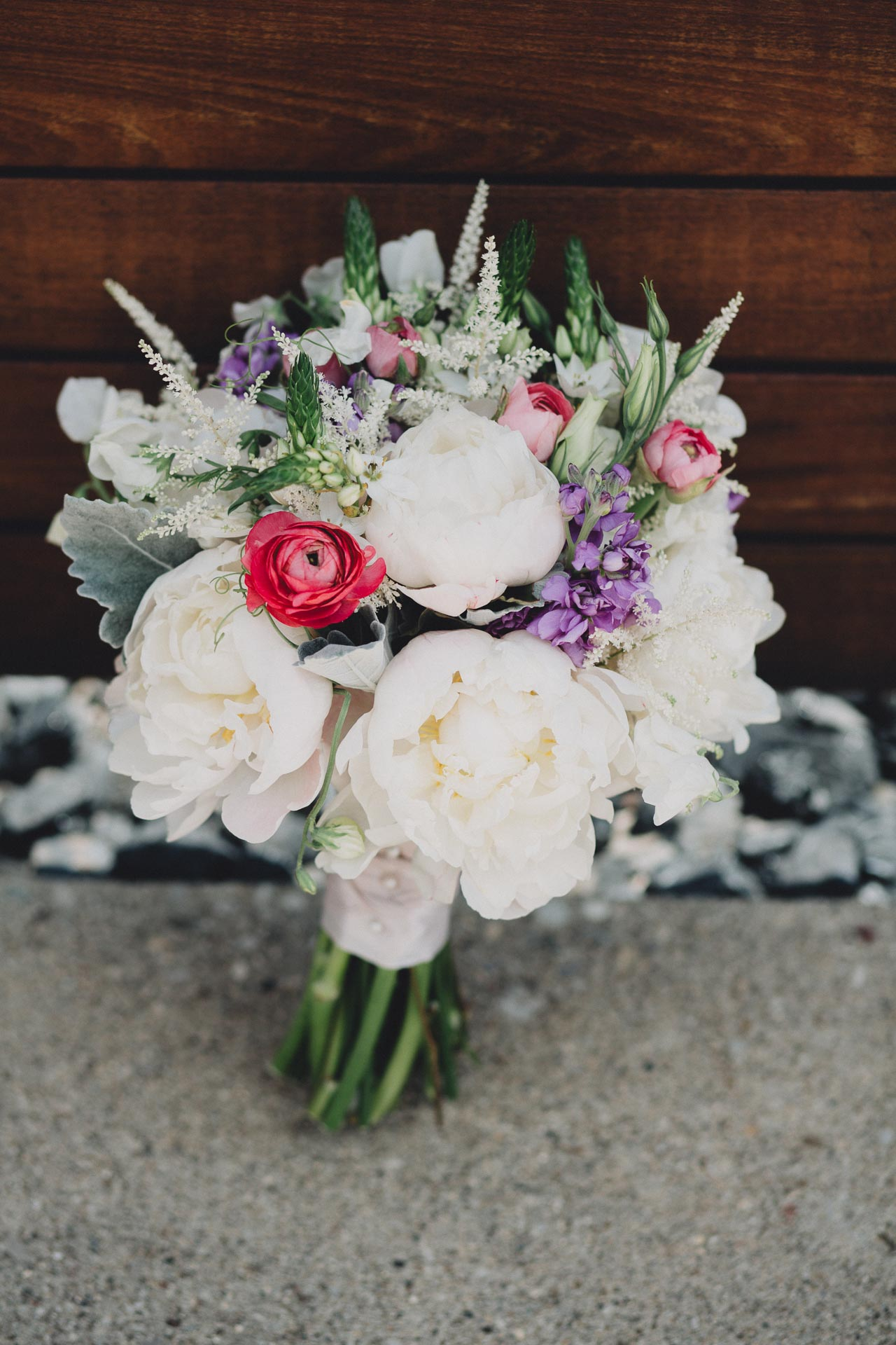 Julia-Michael-Cincinnati-Music-Hall-Wedding-071@2x.jpg