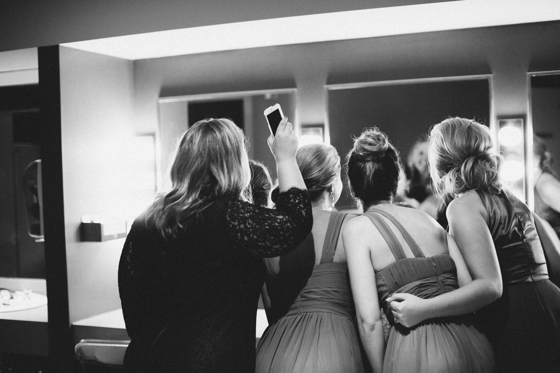 Julia-Michael-Cincinnati-Music-Hall-Wedding-073@2x.jpg