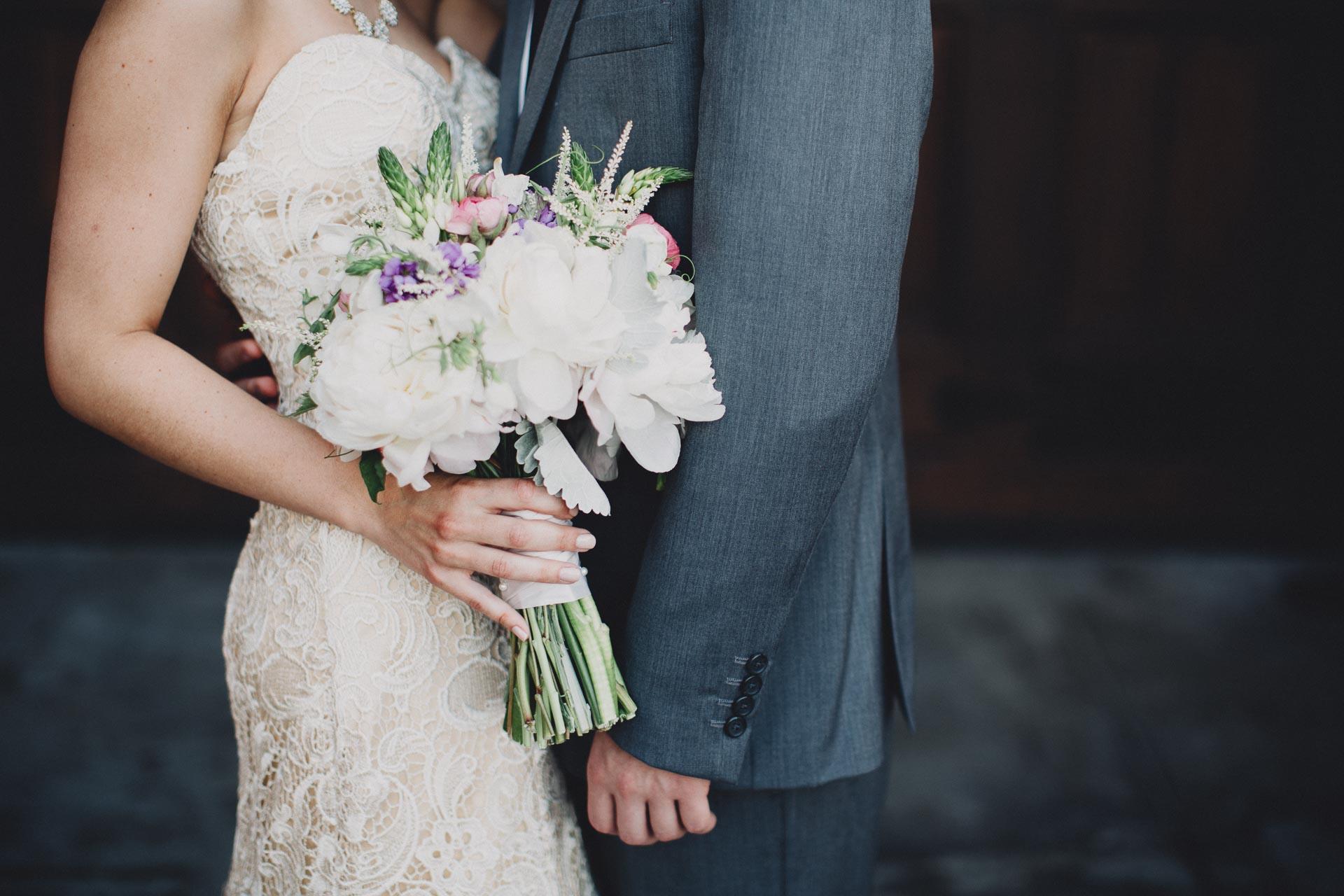 Julia-Michael-Cincinnati-Music-Hall-Wedding-078@2x.jpg