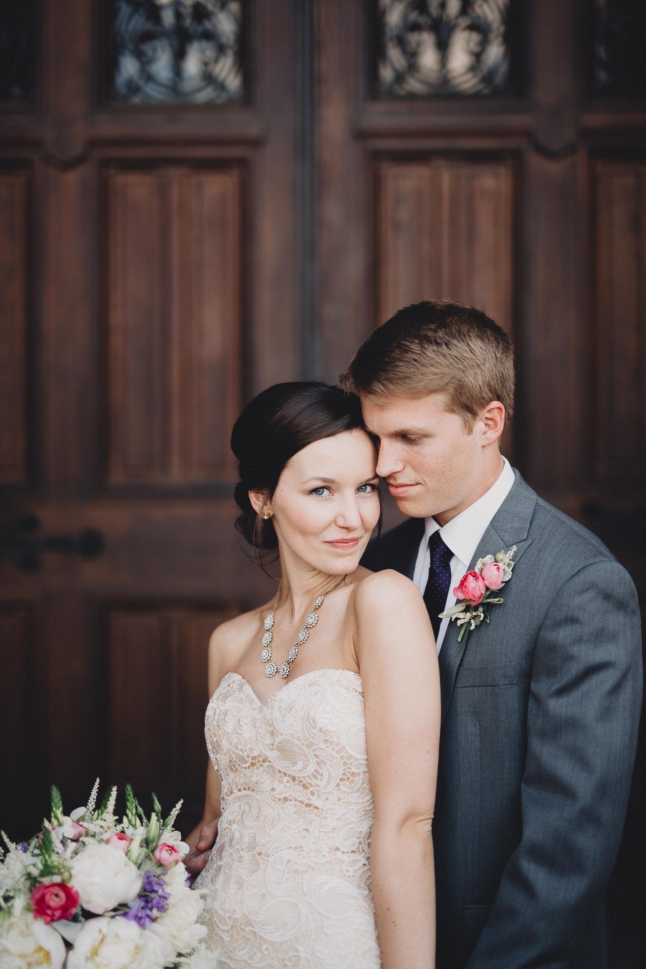 Julia-Michael-Cincinnati-Music-Hall-Wedding-081@2x.jpg
