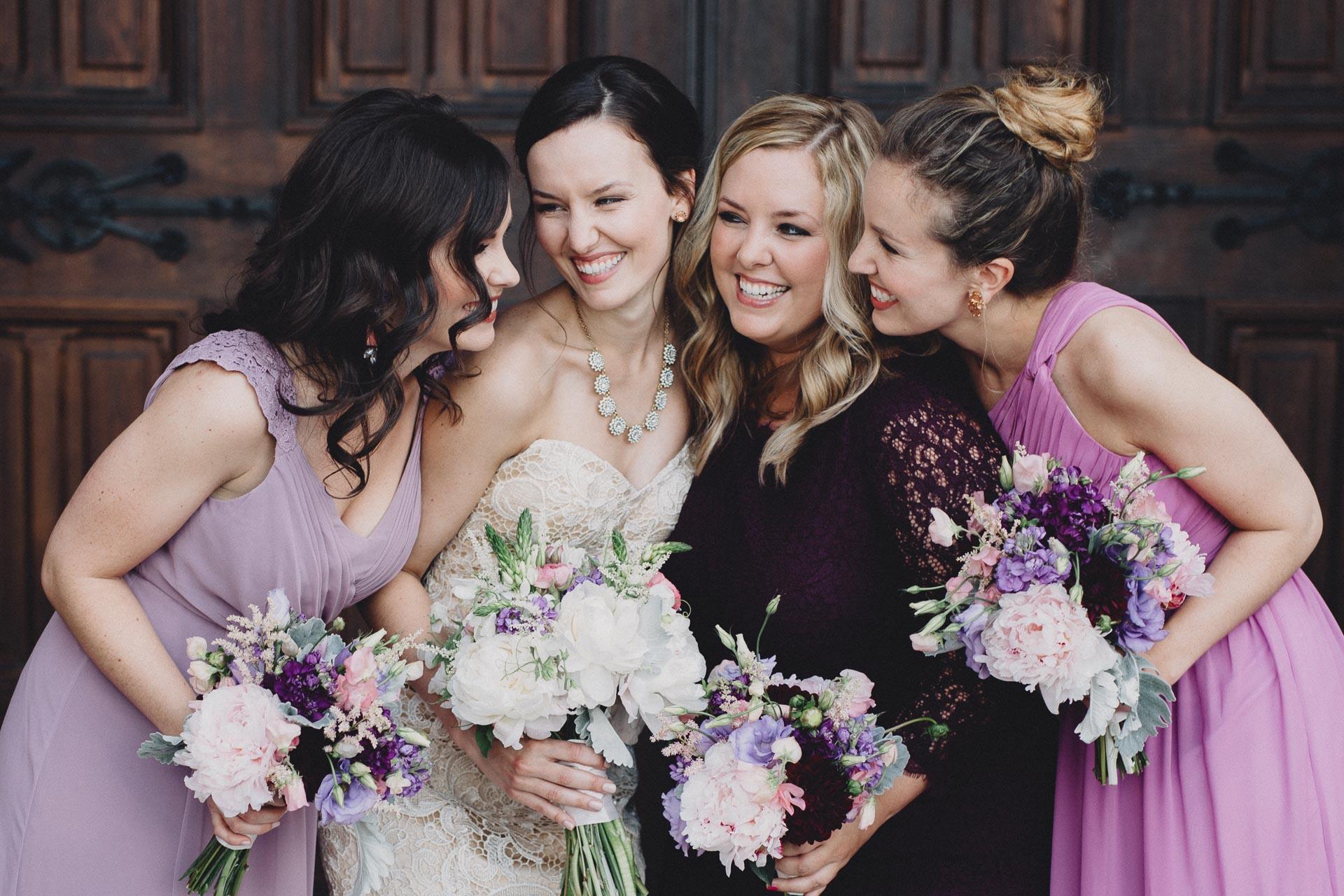 Julia-Michael-Cincinnati-Music-Hall-Wedding-083@2x.jpg