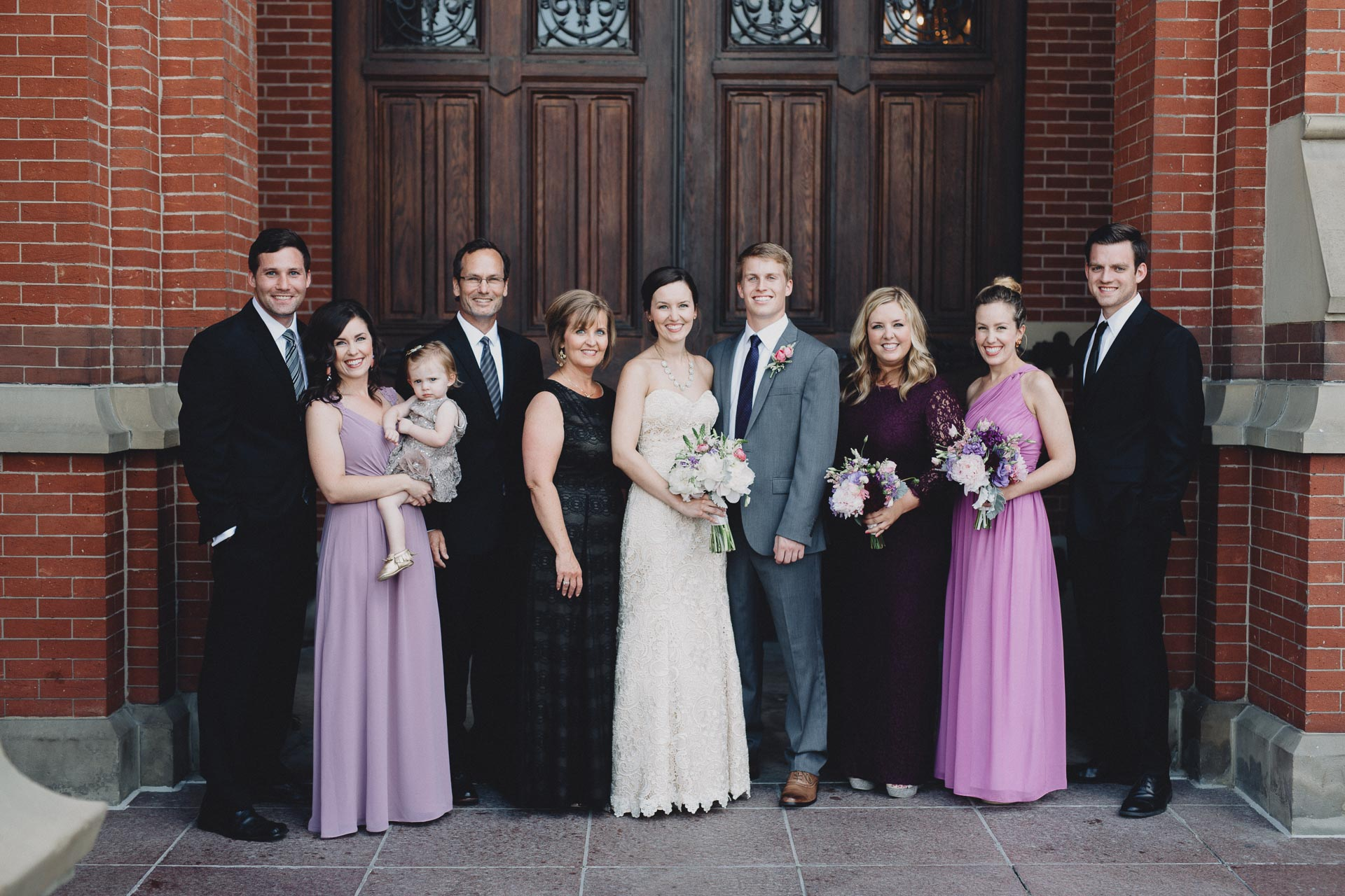 Julia-Michael-Cincinnati-Music-Hall-Wedding-084@2x.jpg