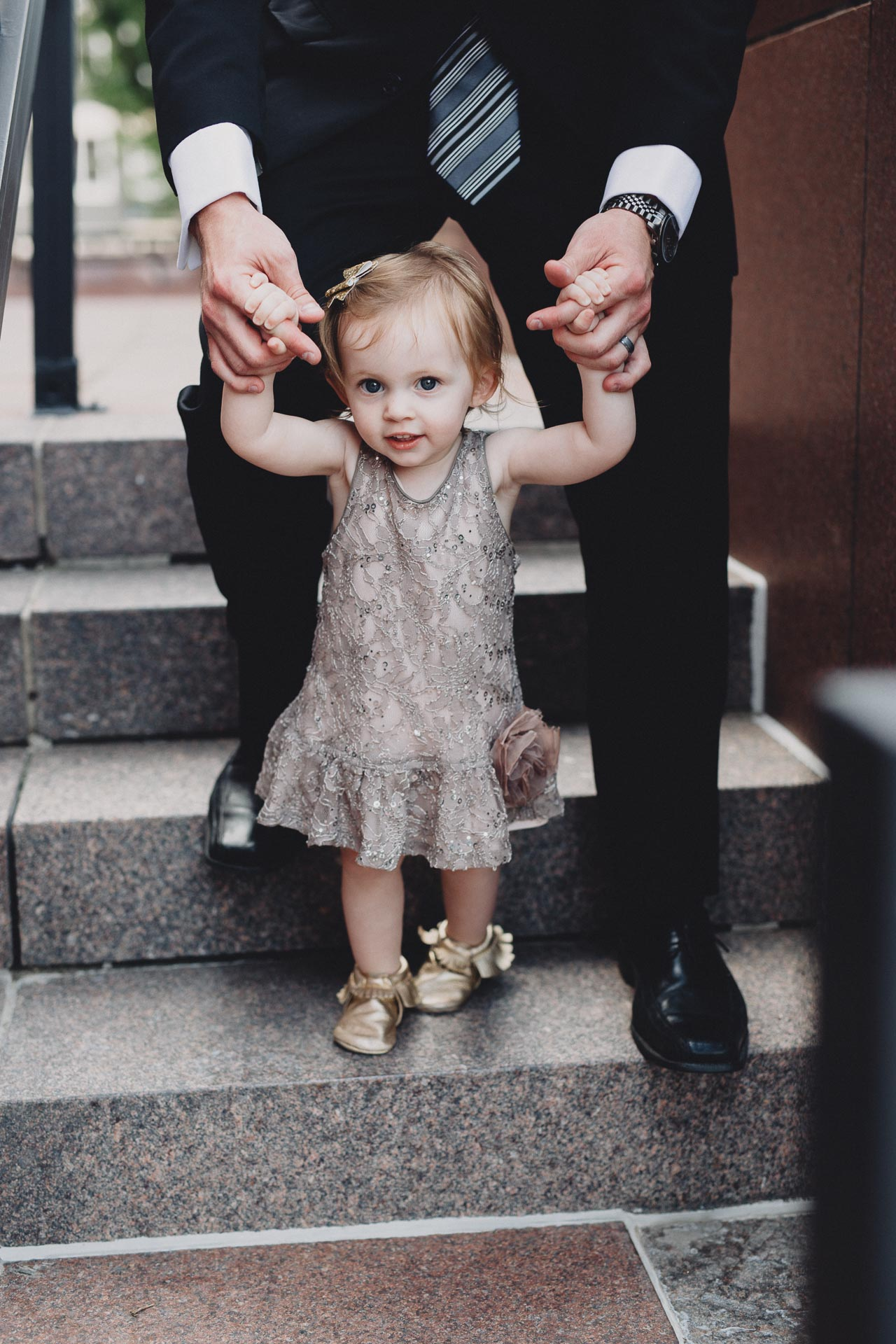 Julia-Michael-Cincinnati-Music-Hall-Wedding-091@2x.jpg