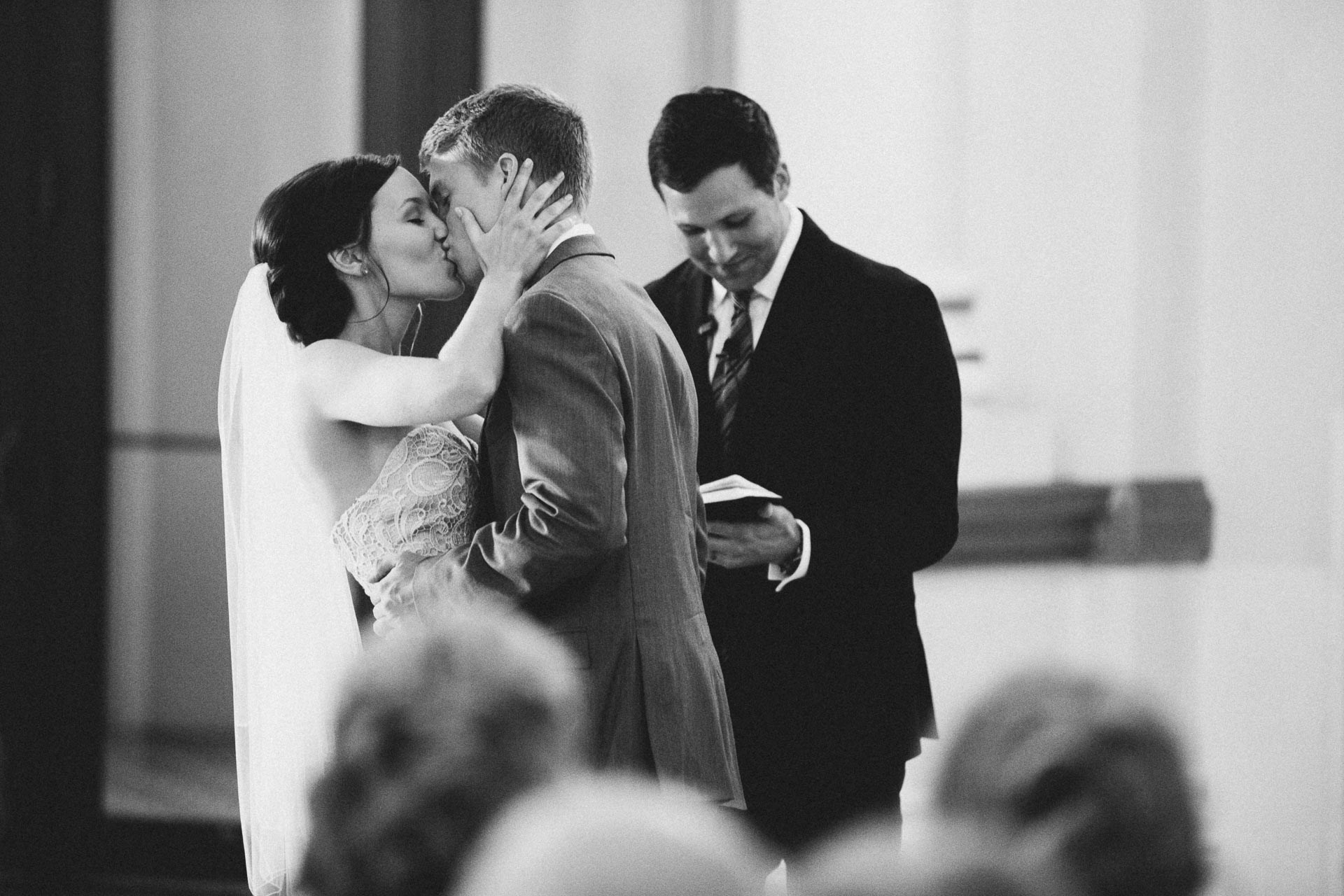 Julia-Michael-Cincinnati-Music-Hall-Wedding-108@2x.jpg