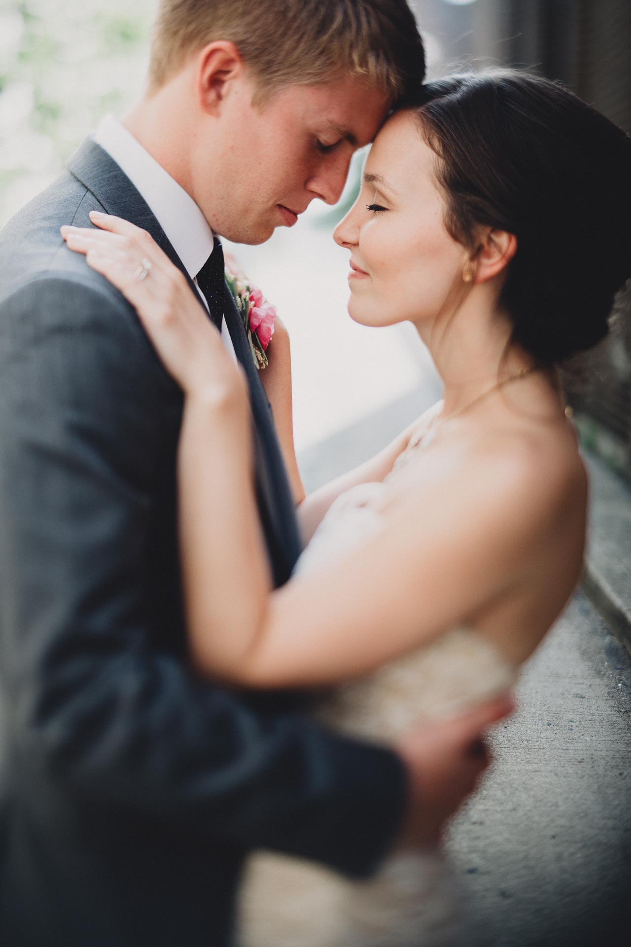 Julia-Michael-Cincinnati-Music-Hall-Wedding-115@2x.jpg