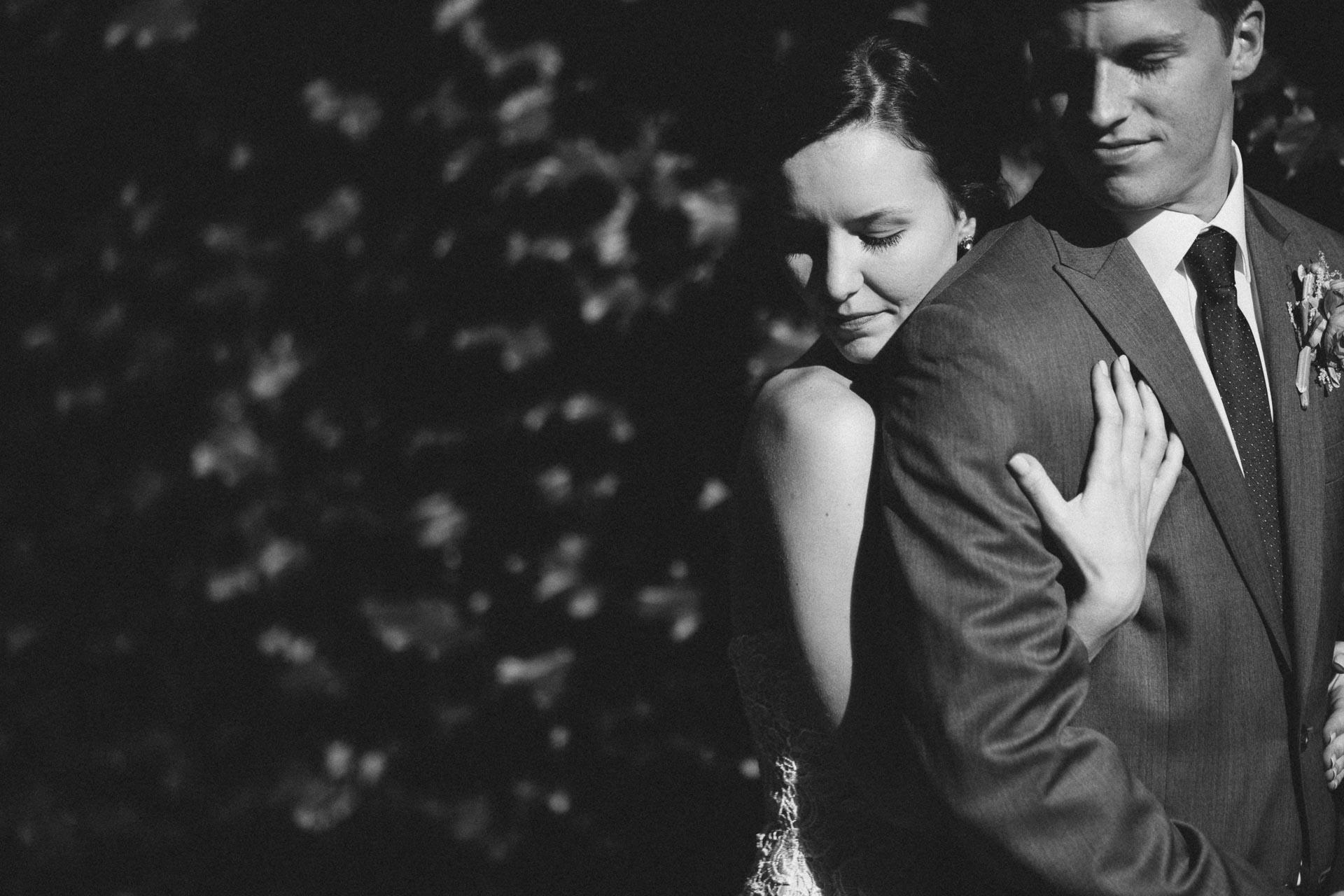Julia-Michael-Cincinnati-Music-Hall-Wedding-118@2x.jpg