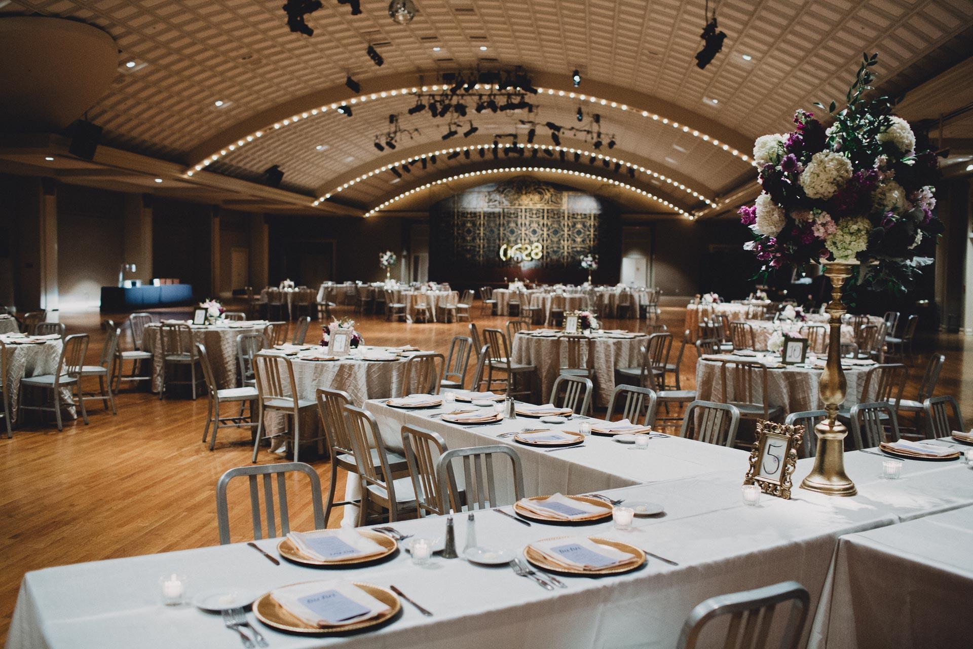 Julia-Michael-Cincinnati-Music-Hall-Wedding-125@2x.jpg