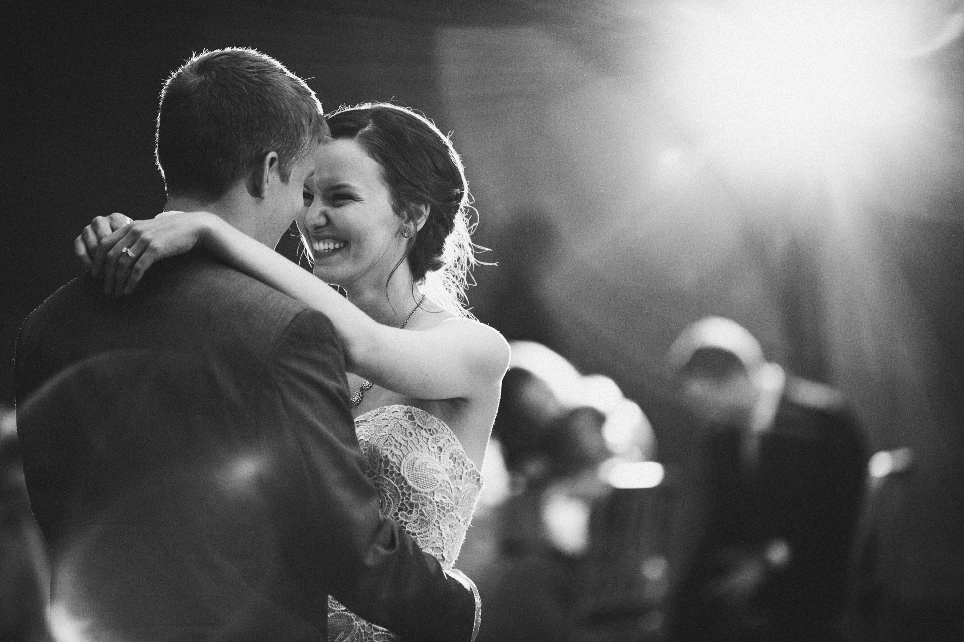 Julia-Michael-Cincinnati-Music-Hall-Wedding-128@2x.jpg