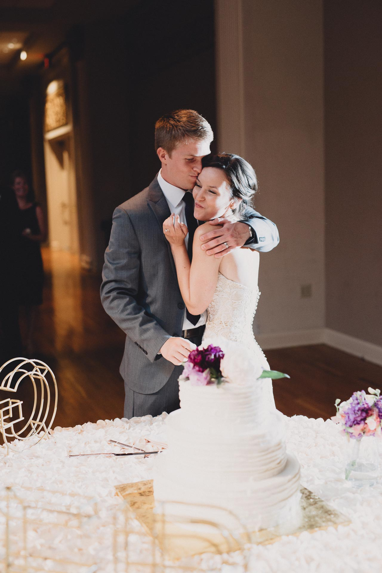Julia-Michael-Cincinnati-Music-Hall-Wedding-130@2x.jpg