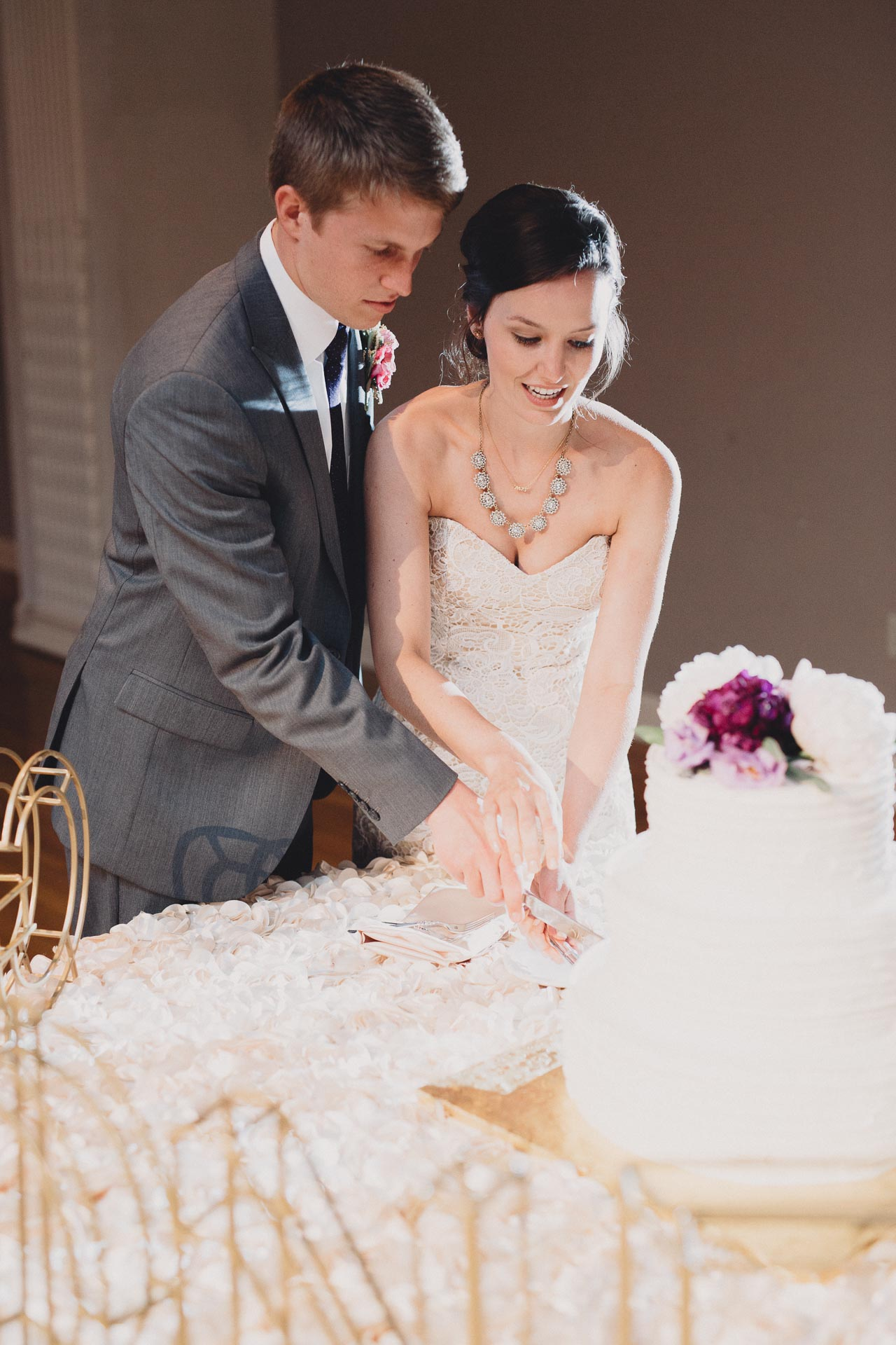 Julia-Michael-Cincinnati-Music-Hall-Wedding-129@2x.jpg