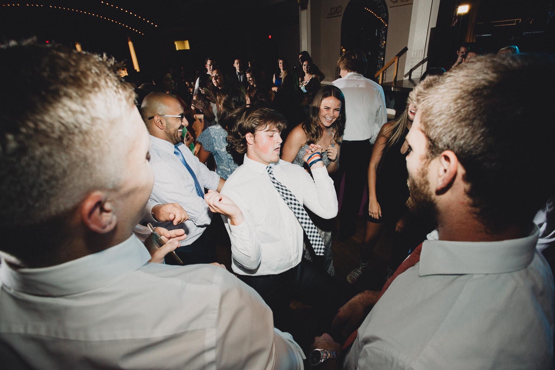 Julia-Michael-Cincinnati-Music-Hall-Wedding-132@2x.jpg