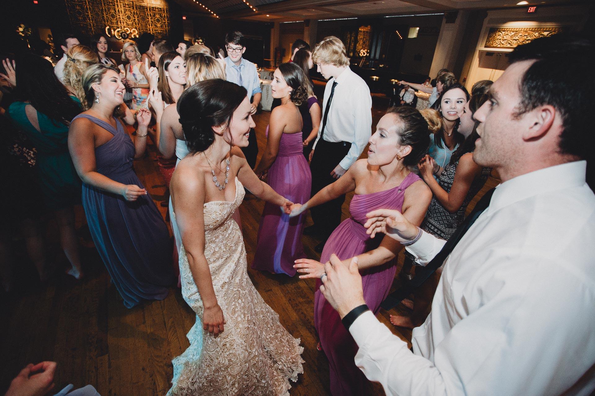 Julia-Michael-Cincinnati-Music-Hall-Wedding-140@2x.jpg