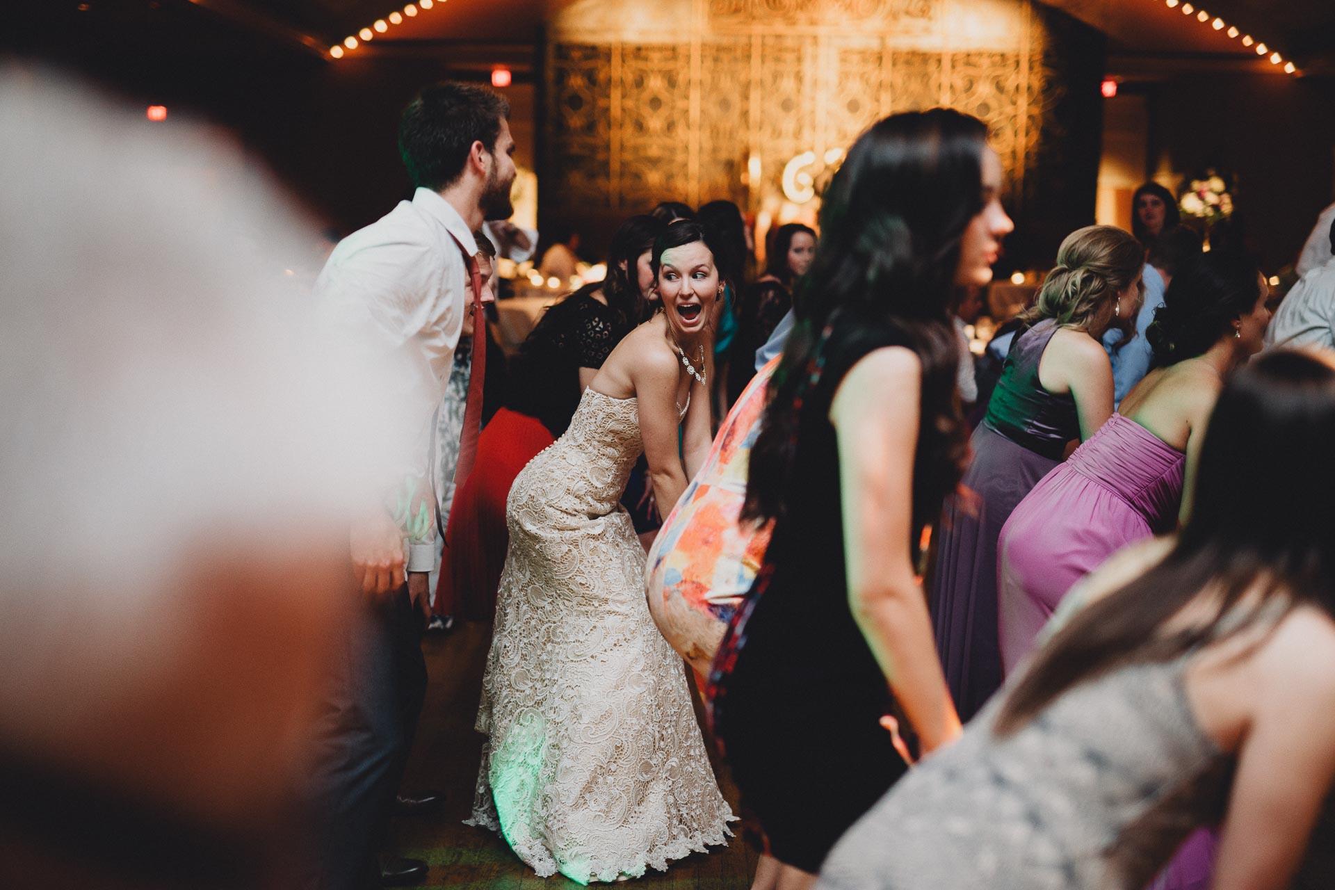 Julia-Michael-Cincinnati-Music-Hall-Wedding-141@2x.jpg