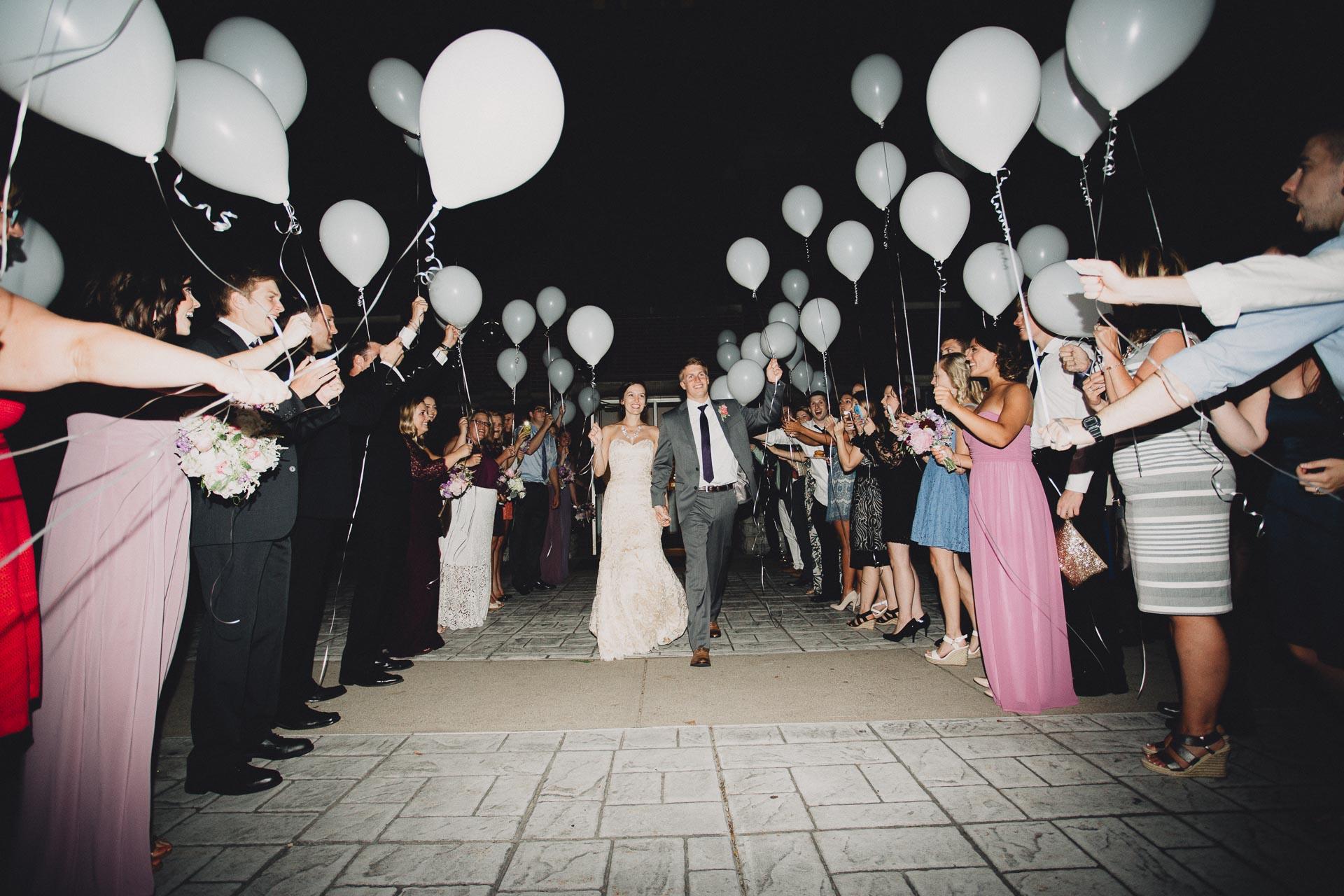 Julia-Michael-Cincinnati-Music-Hall-Wedding-144@2x.jpg