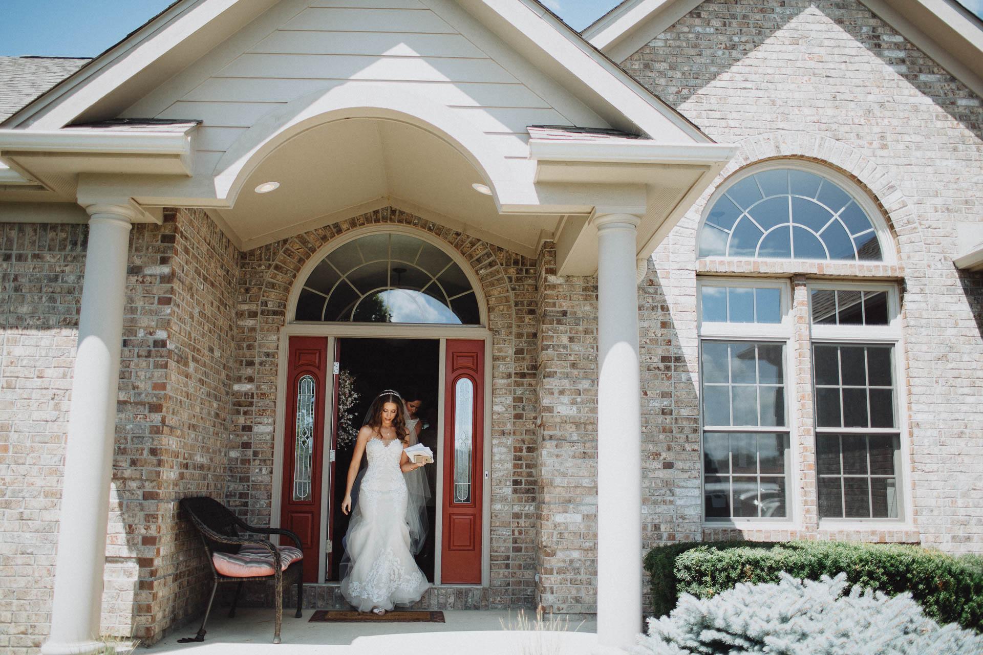 Keri-Joseph-Downtown-Dayton-Wedding-TopoftheMarket-018@2x.jpg