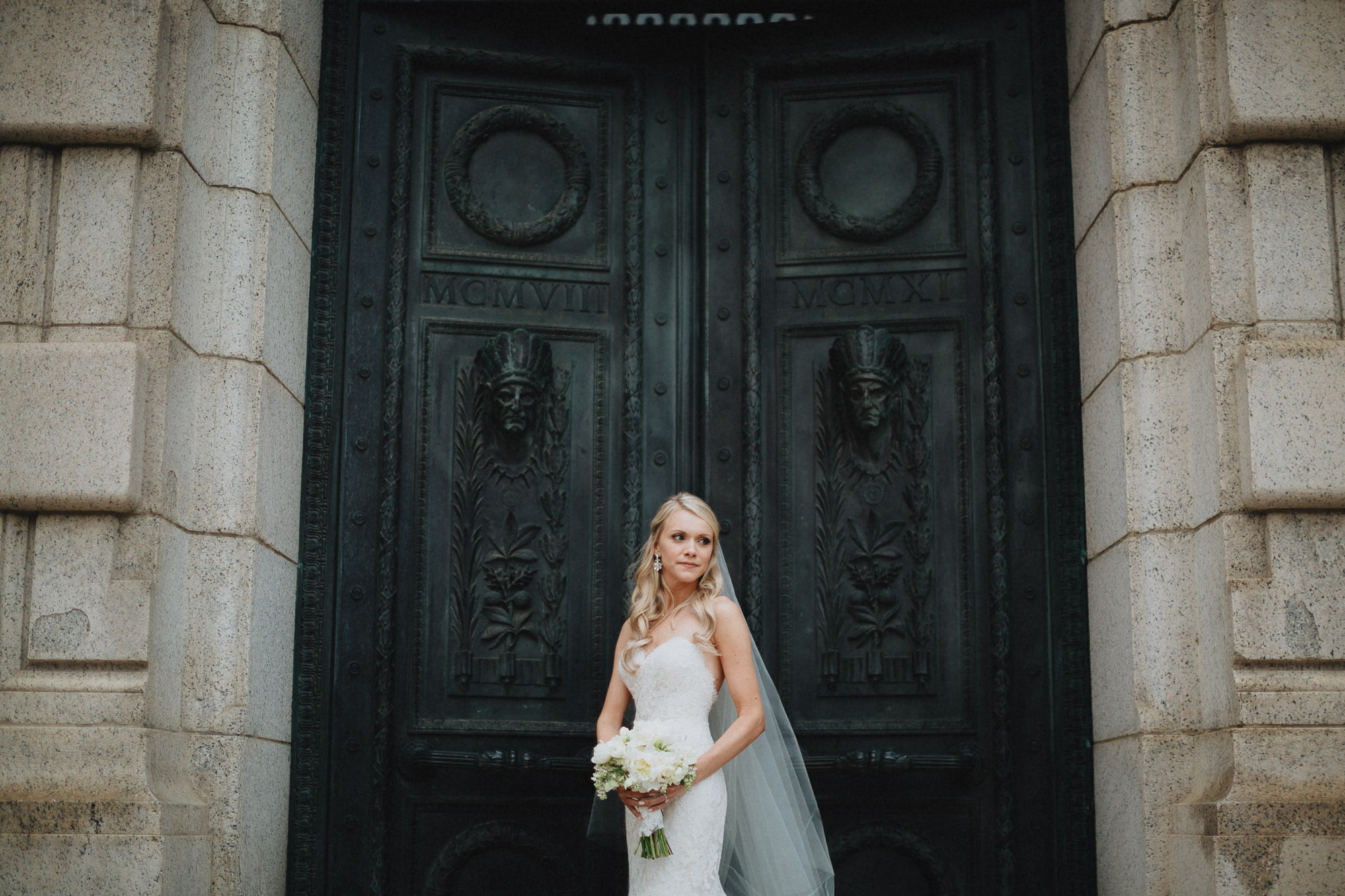 Alana-David-Cleveland-Old-Courthouse-Wedding-132@2x.jpg