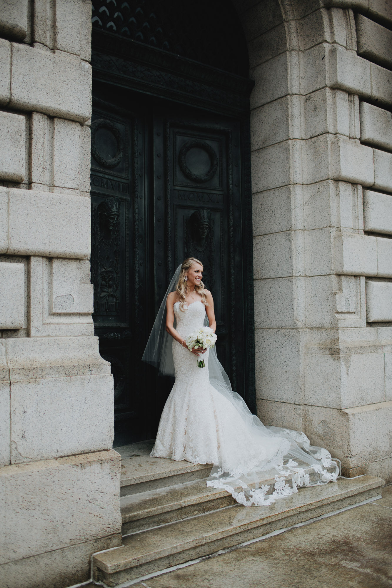 Alana-David-Cleveland-Old-Courthouse-Wedding-133@2x.jpg