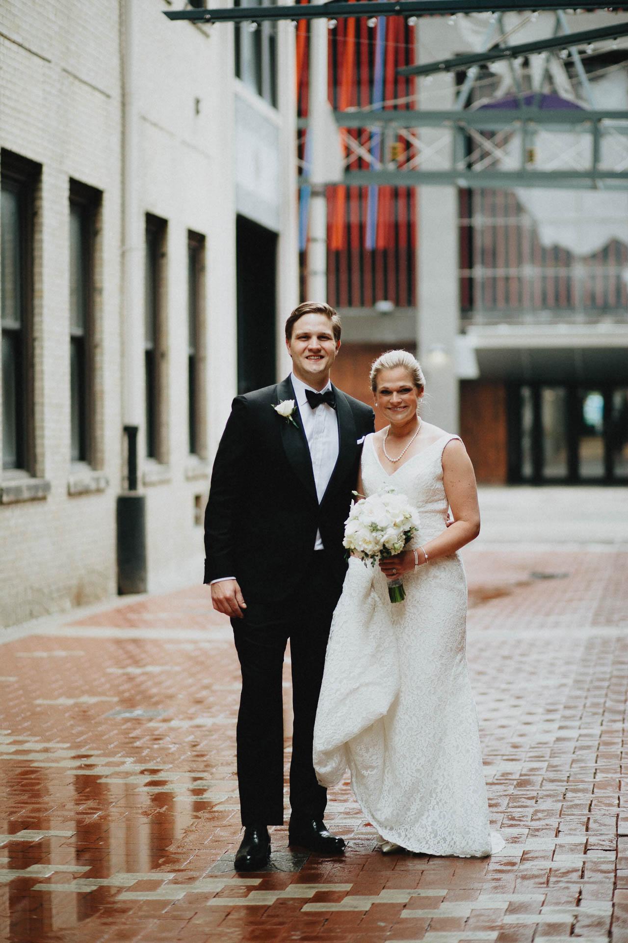 Cincinnati-Contemporary-Arts-Center-Wedding-032.jpg