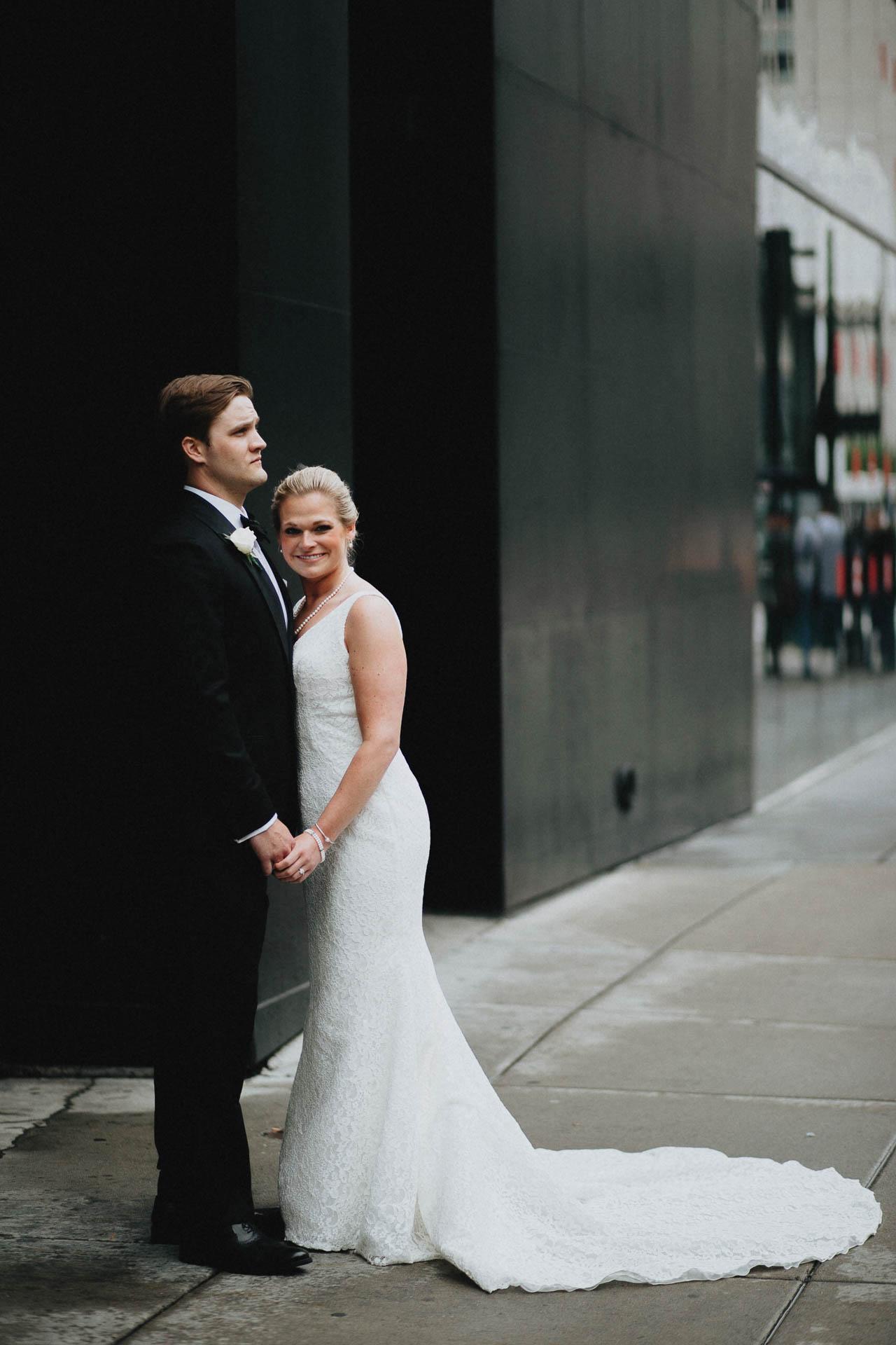 Cincinnati-Contemporary-Arts-Center-Wedding-047.jpg