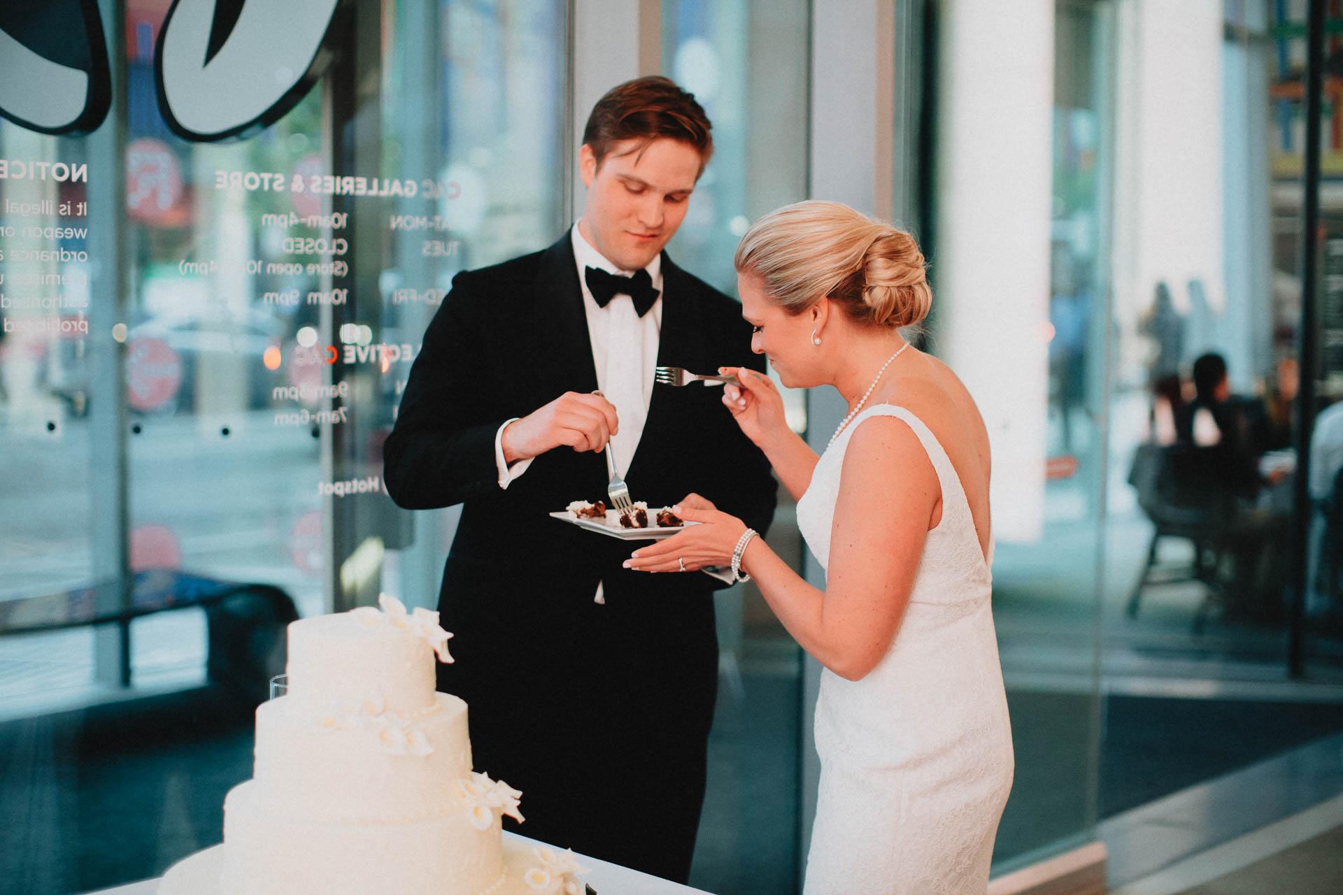 Cincinnati-Contemporary-Arts-Center-Wedding-071.jpg