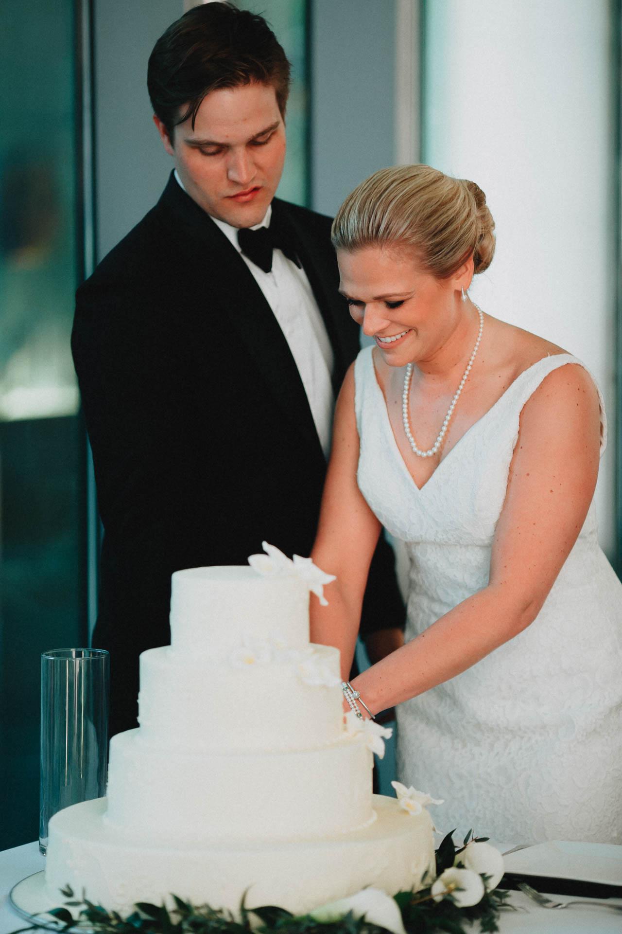 Cincinnati-Contemporary-Arts-Center-Wedding-070.jpg