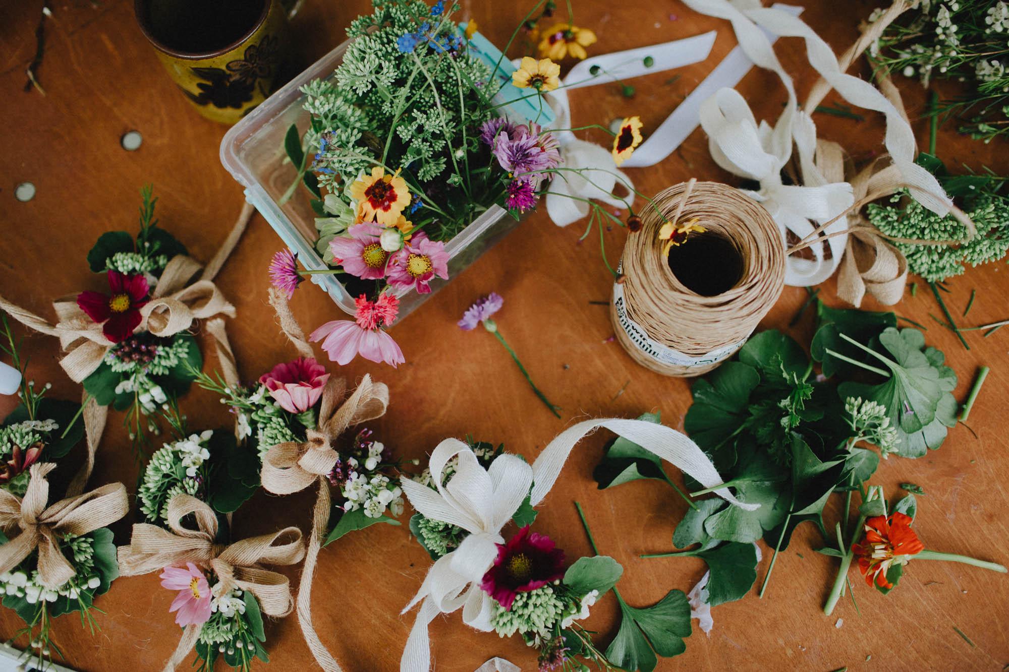 Leah-Graham-Michigan-Outdoor-DIY-Wedding-009@2x.jpg