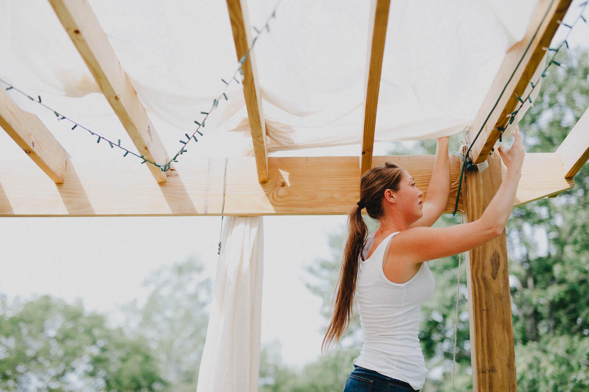 Leah-Graham-Michigan-Outdoor-DIY-Wedding-017@2x.jpg