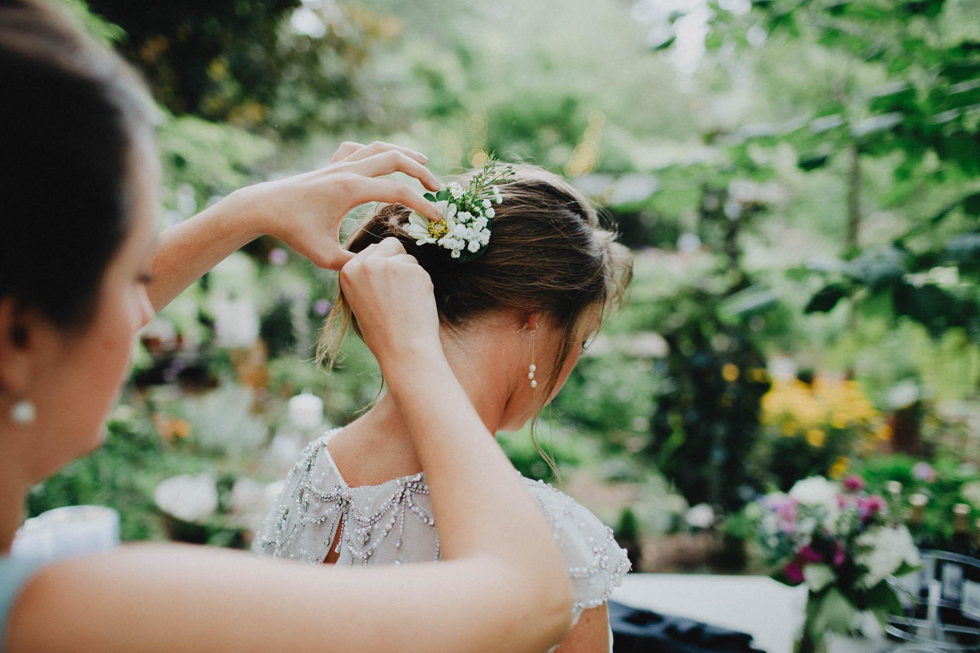 Leah-Graham-Michigan-Outdoor-DIY-Wedding-040@2x.jpg