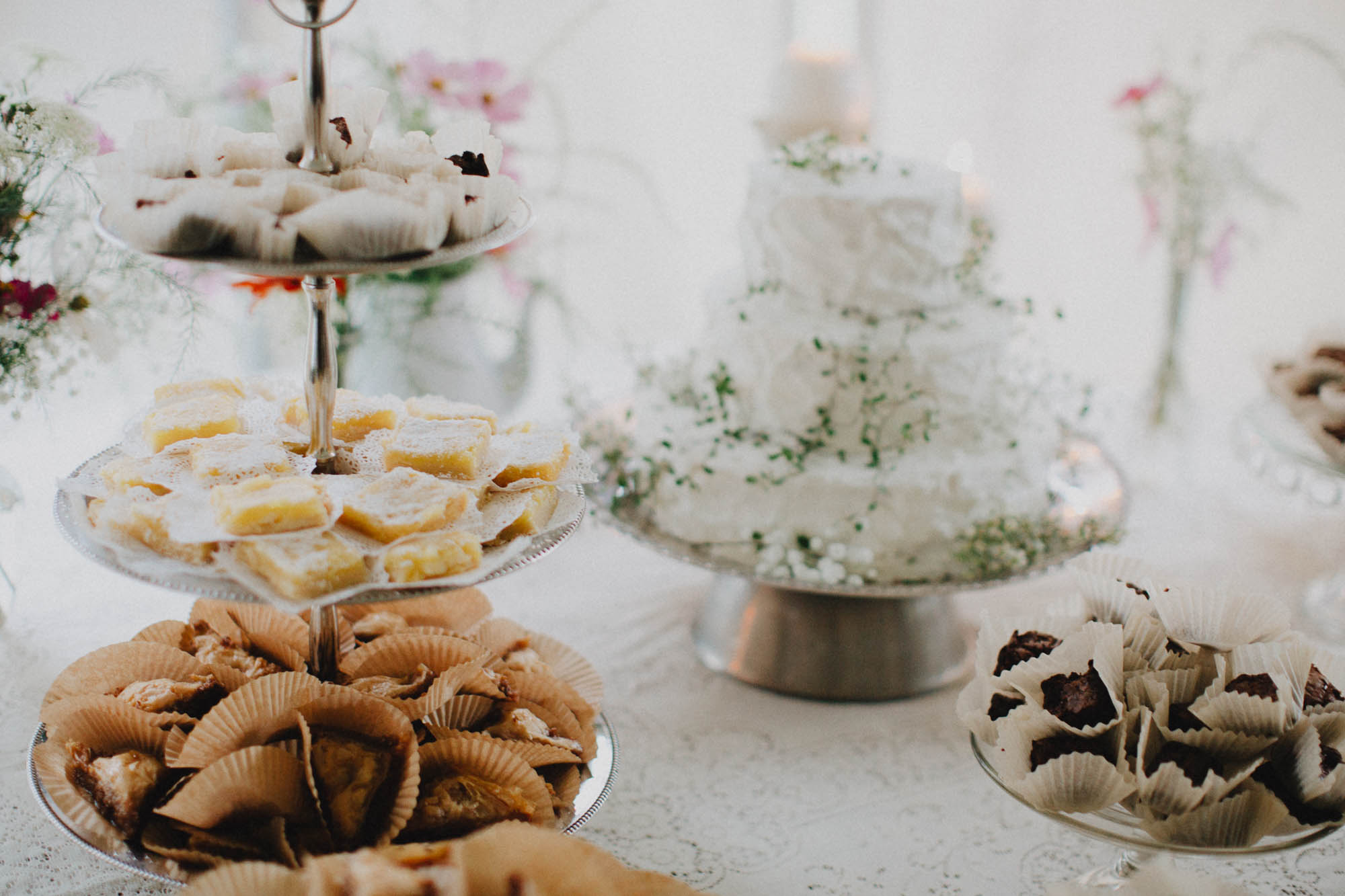 Leah-Graham-Michigan-Outdoor-DIY-Wedding-060@2x.jpg