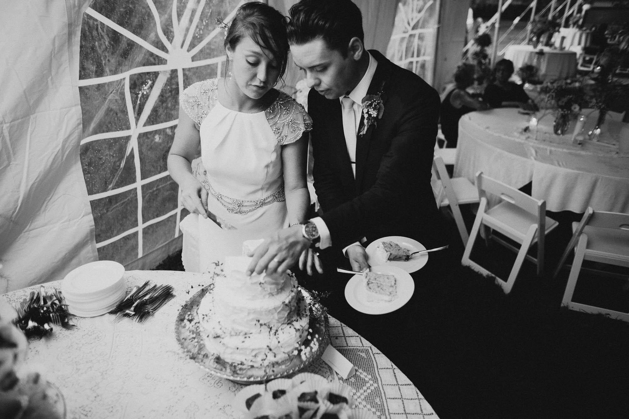 Leah-Graham-Michigan-Outdoor-DIY-Wedding-066@2x.jpg