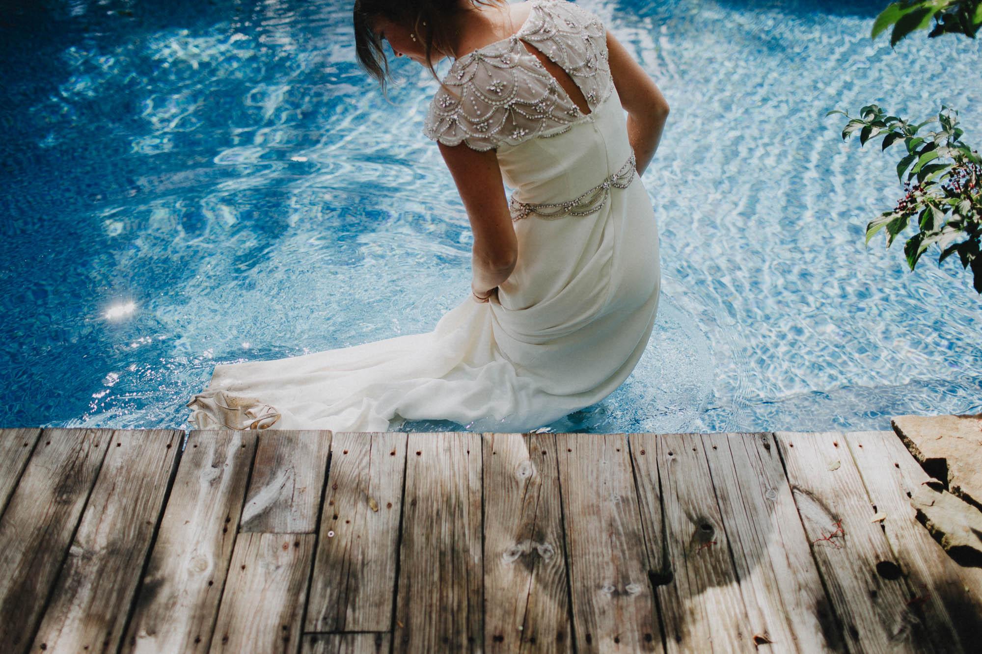 Leah-Graham-Michigan-Outdoor-DIY-Wedding-092@2x.jpg