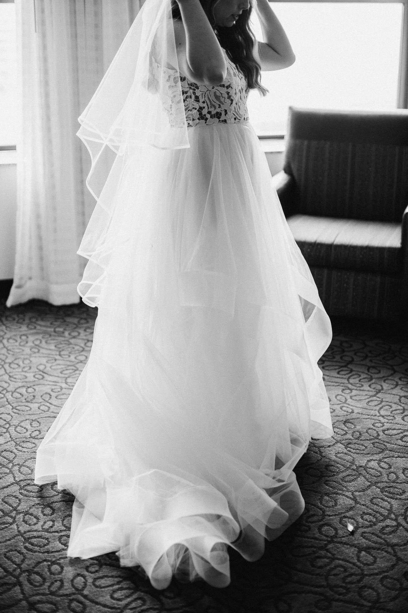 Sara-Tyler-Cincinnati-Wedding-Rhinegeist-Brewery-013.jpg