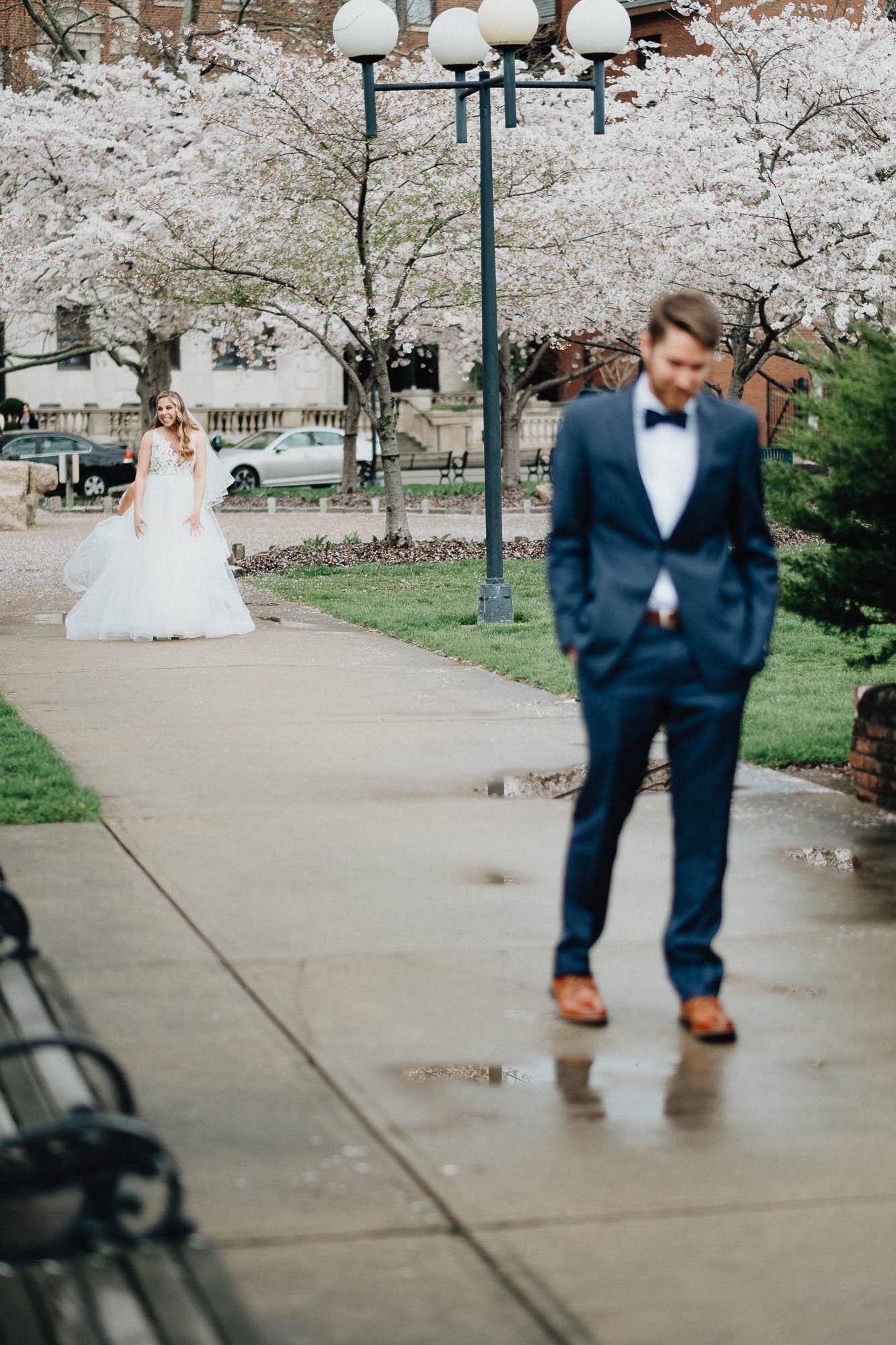 Sara-Tyler-Cincinnati-Wedding-Rhinegeist-Brewery-028.jpg