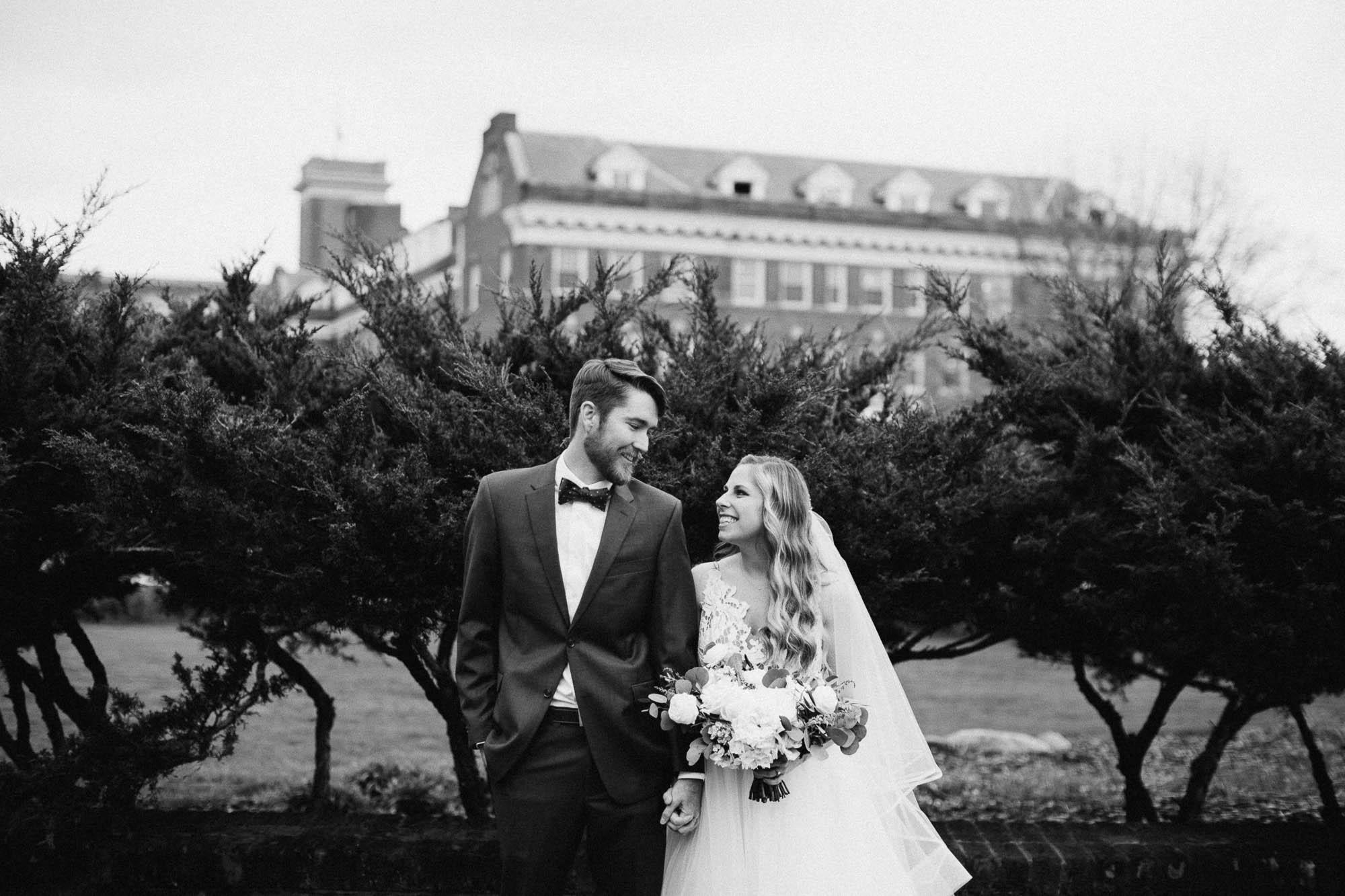 Sara-Tyler-Cincinnati-Wedding-Rhinegeist-Brewery-035.jpg