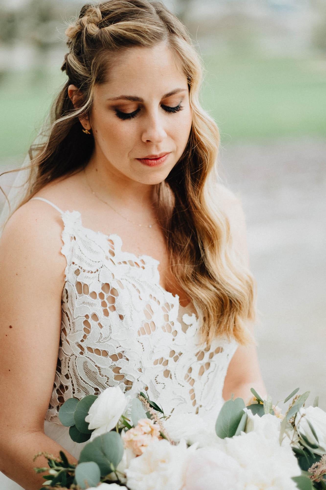 Sara-Tyler-Cincinnati-Wedding-Rhinegeist-Brewery-046.jpg